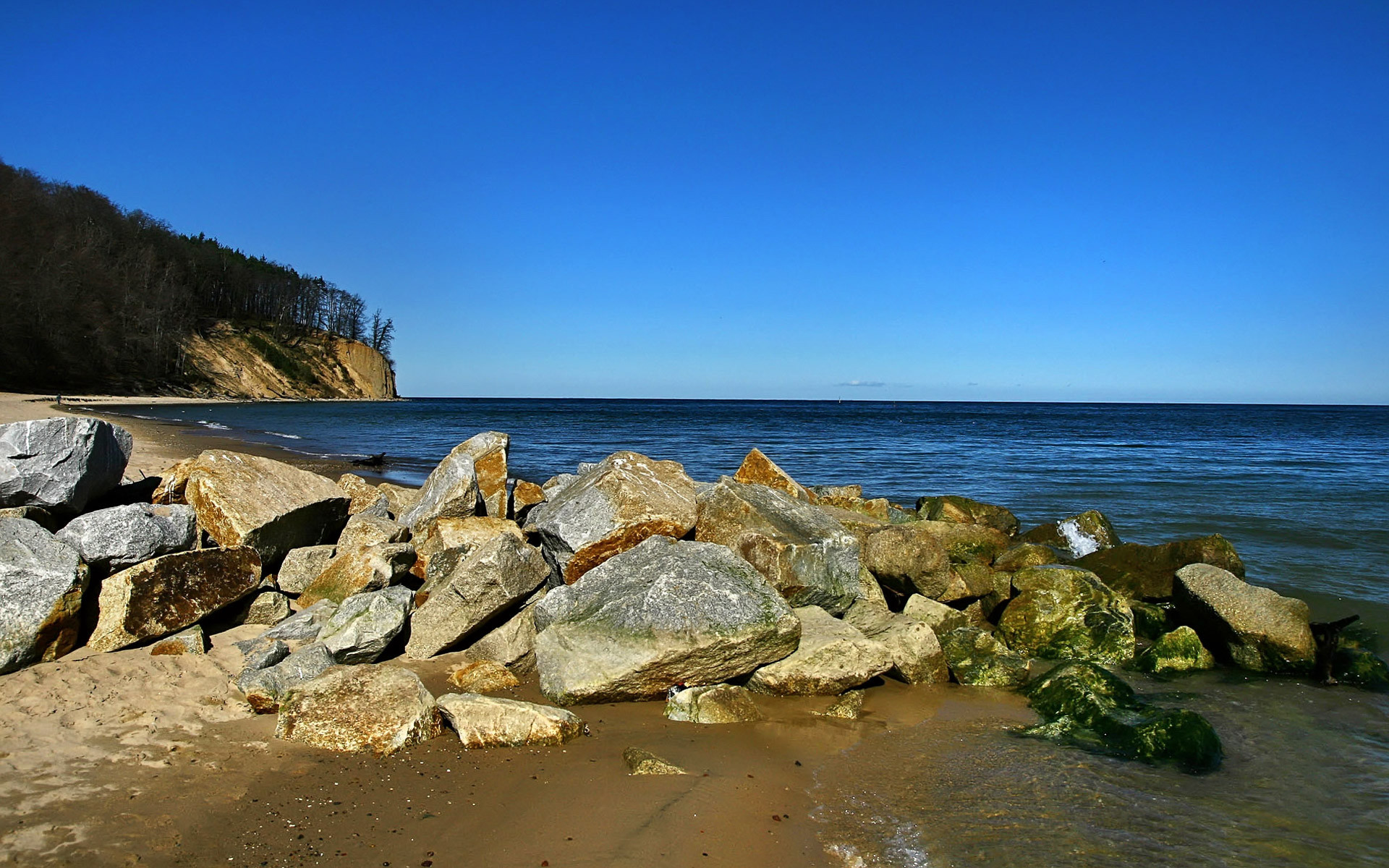 … Sunny handy rock beach wallpaper