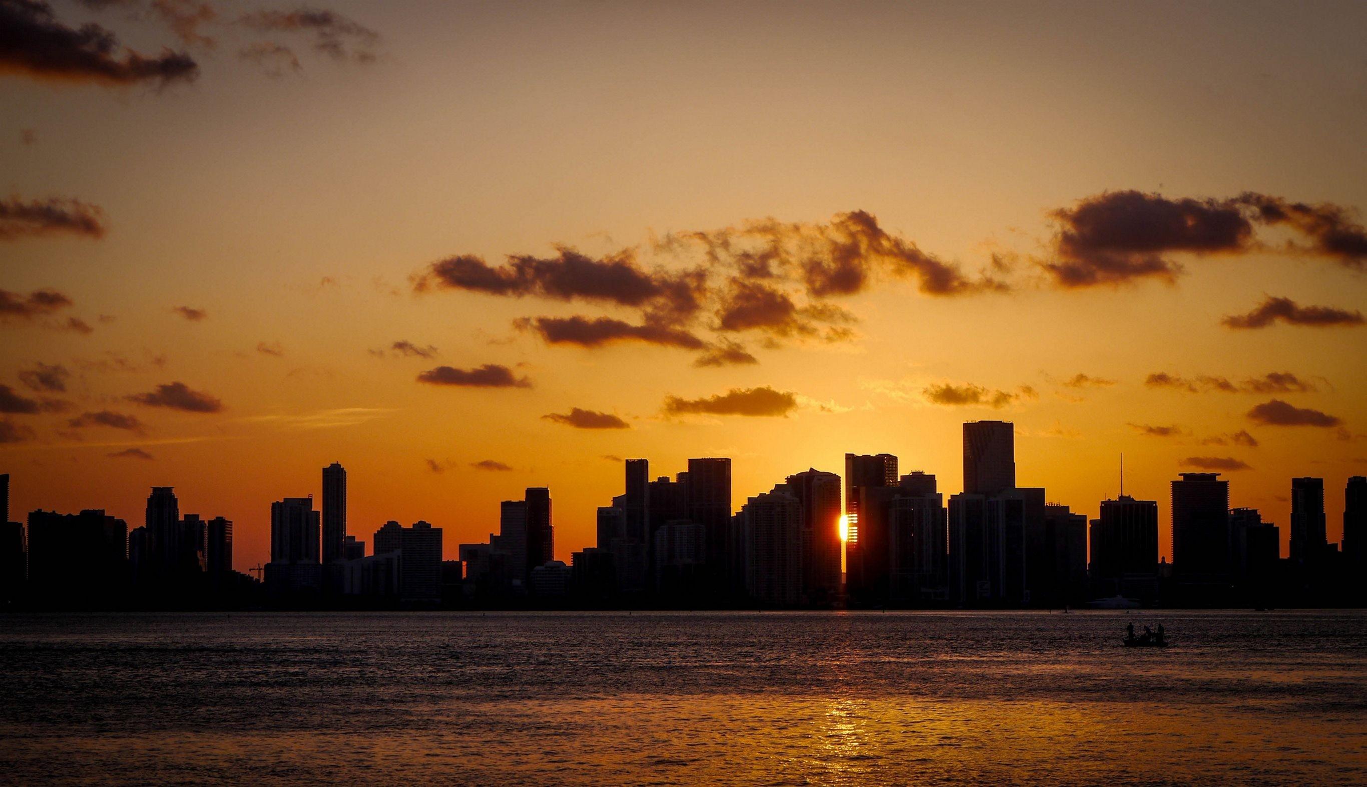 horizon silhouette cloud sun sunrise sunset skyline morning dawn city  cityscape dusk evening peaceful cloudscape miami