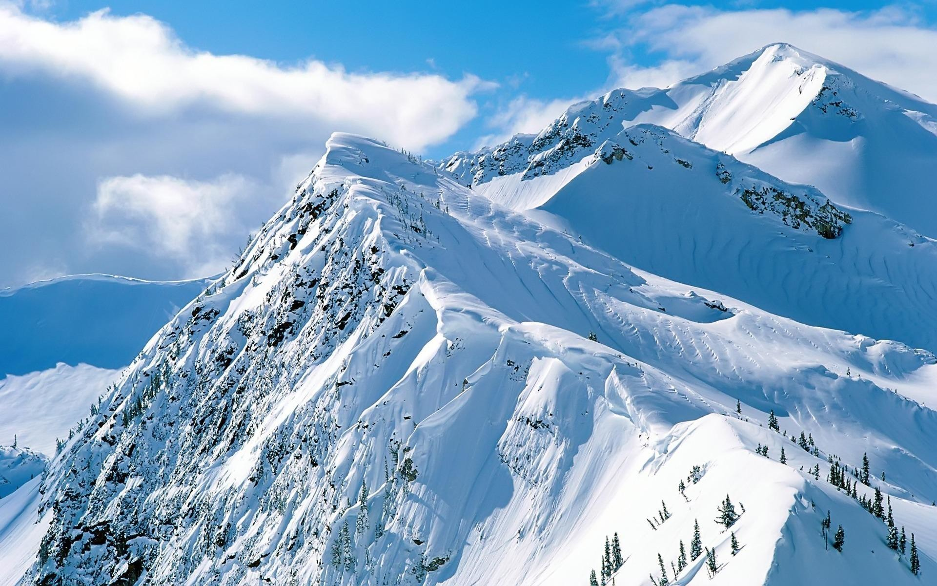 Free Mountain And Winter Wallpaper.