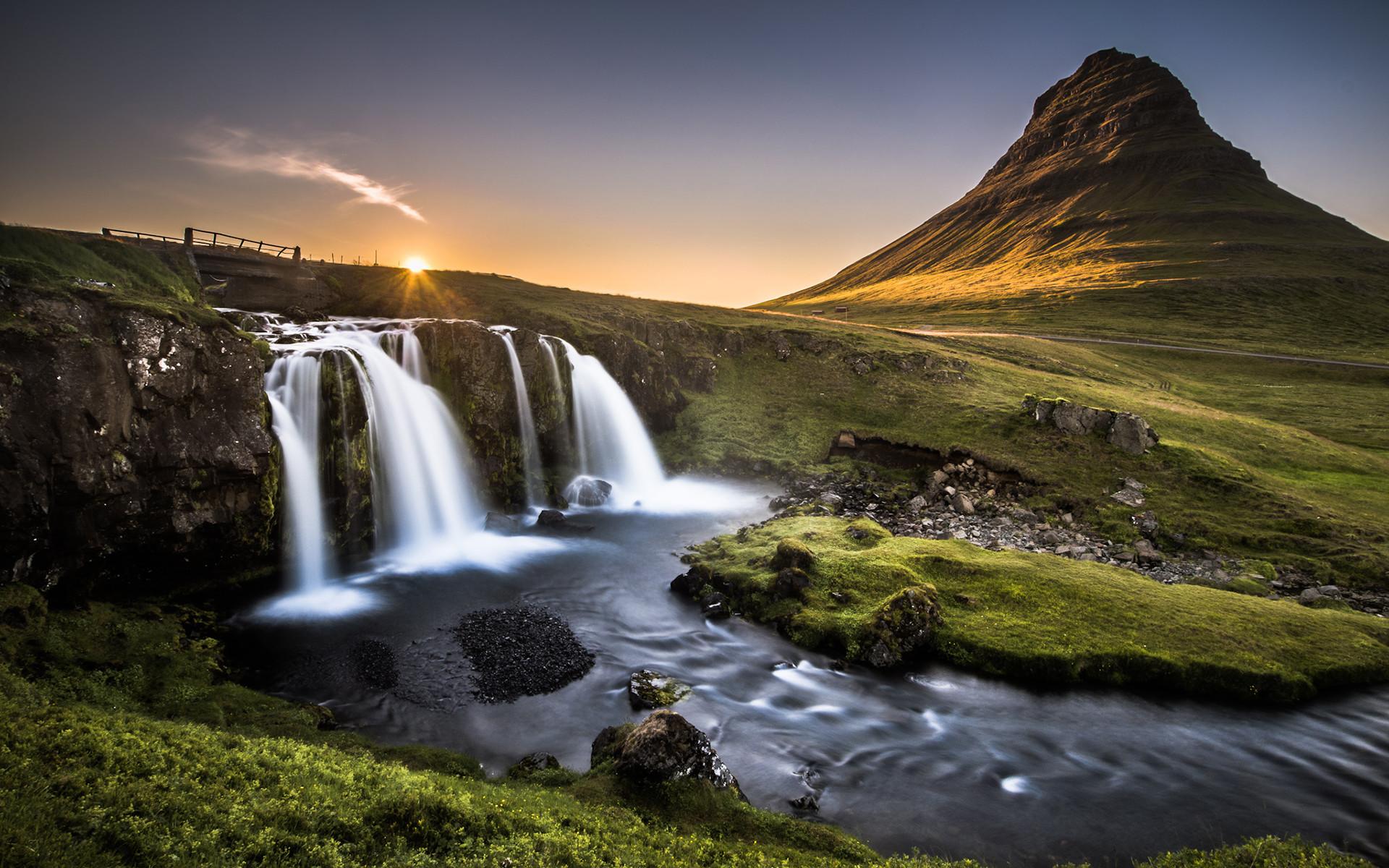 Kirkjufell, Iceland by Andreas Wonisch – Desktop Wallpaper