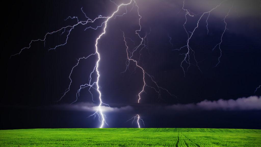 Lightning Storm Background – interiordesignsid.
