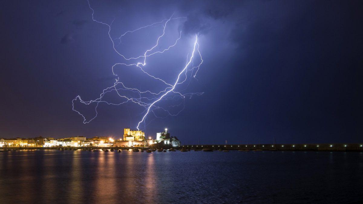 Lightning-Backgrounds-Images-Download