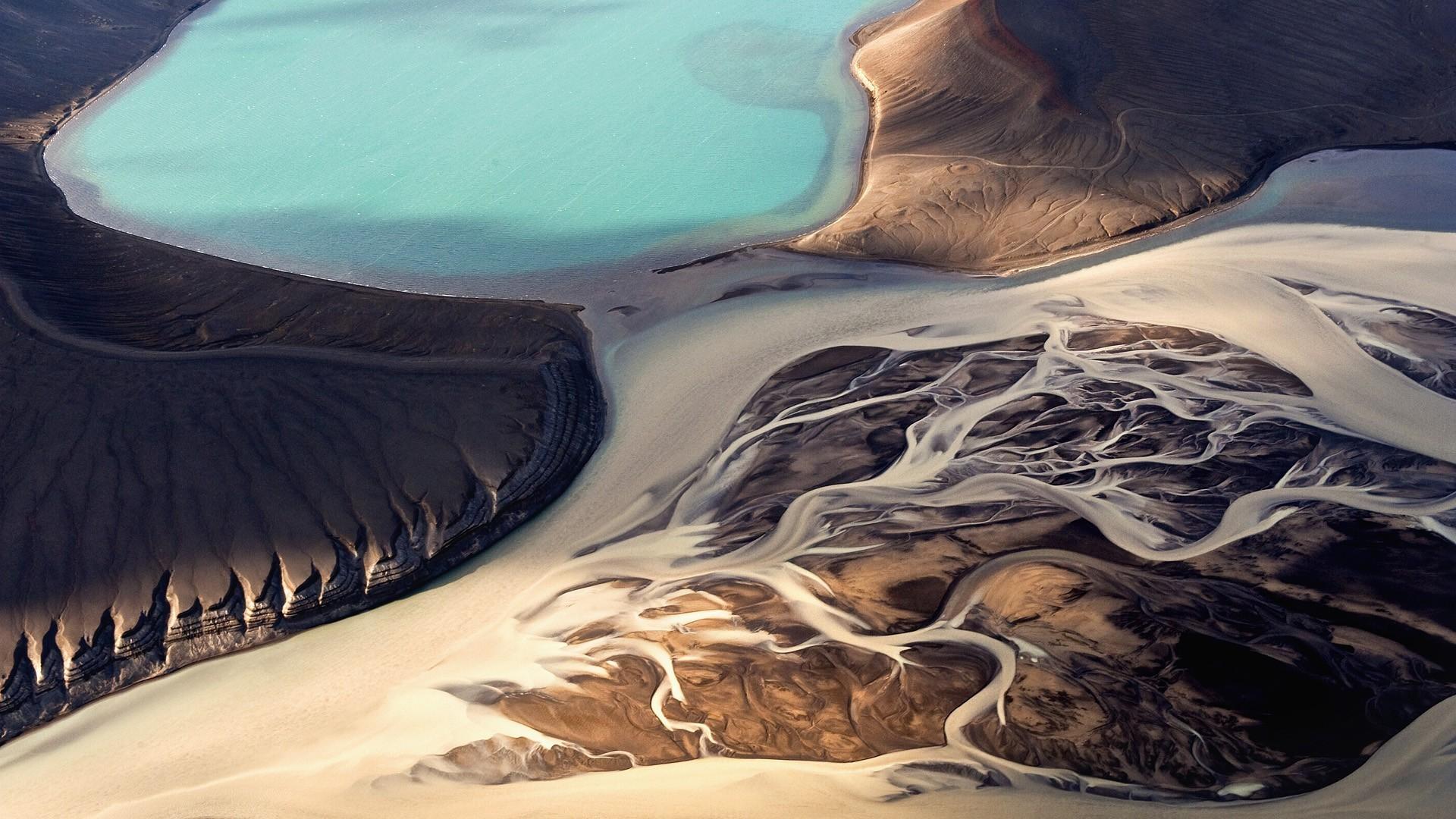 original wallpaper download: Harsh landscape in Iceland – 1920×1080