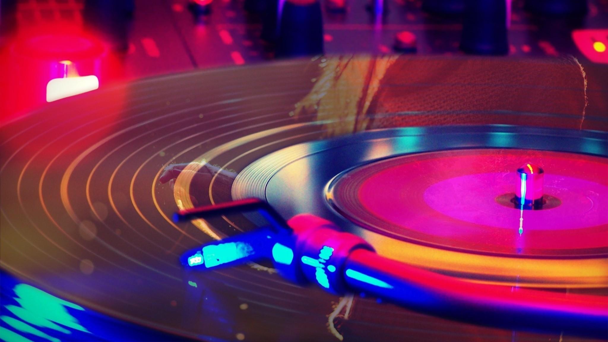 Wallpaper record, player, light