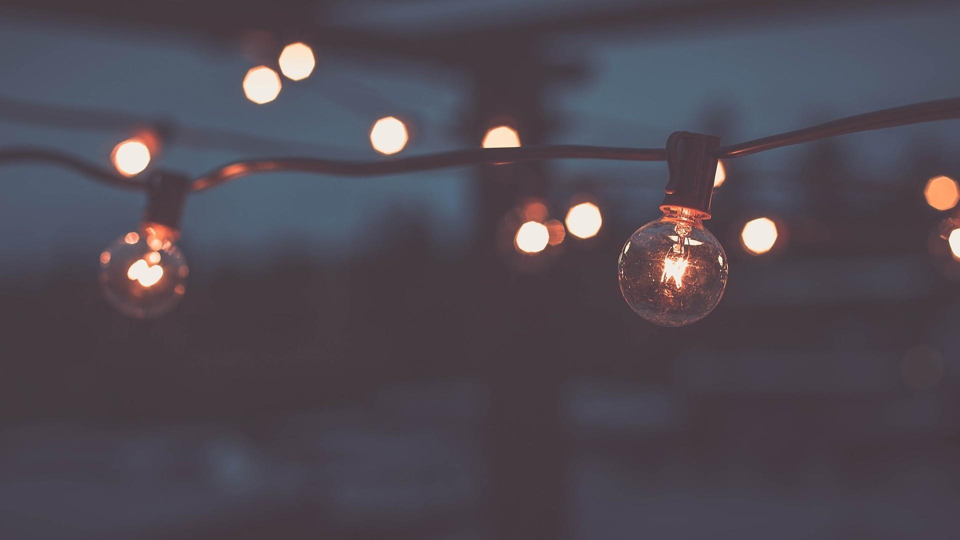 strings of light bulbs wallpaper