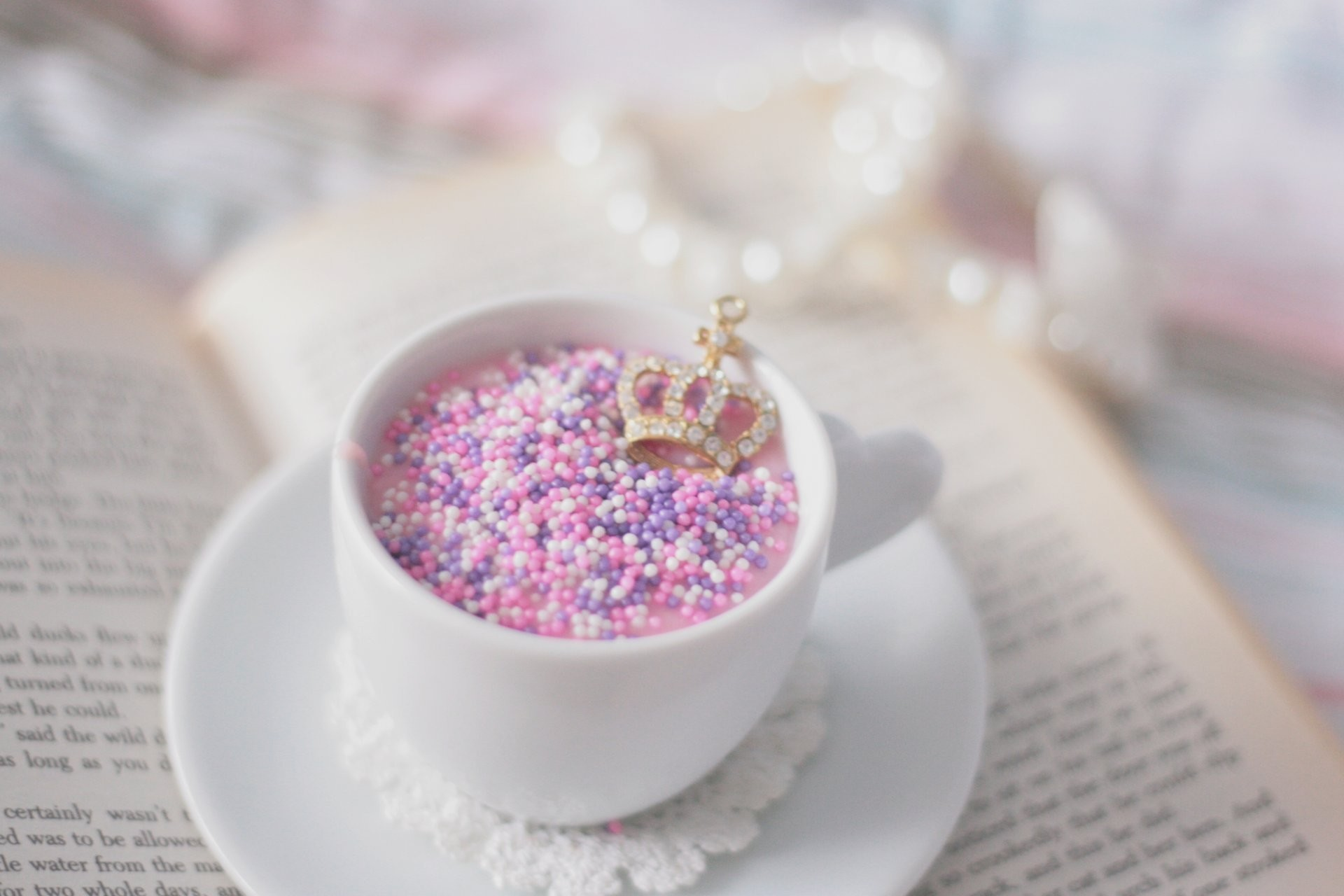 mood cup mug dish color bright bulbs small crown decoration book background wallpapers  desktop wallpaper widescreen. Your screen: 1024×1024