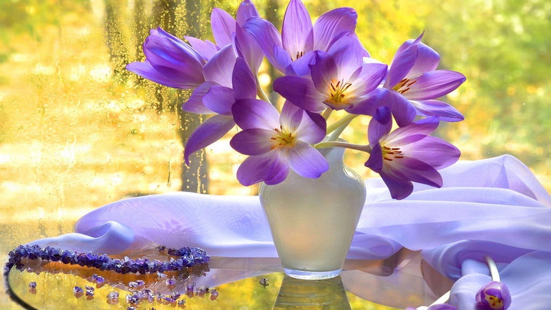 October 27, 2016 – Delicate Life Beautiful Bouquet Still Nature View Autumn  Pretty Flowers Vase