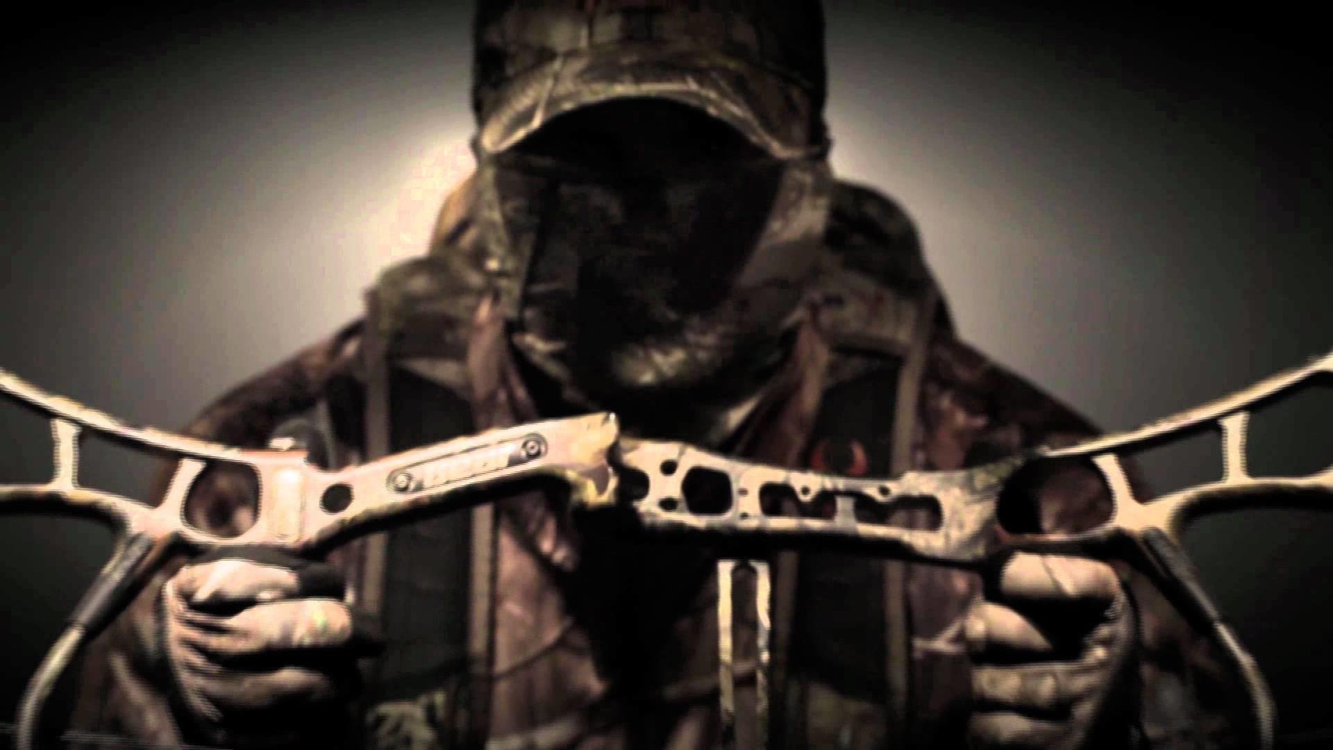 2012 Bear Arche… Bow Hunting Bac.