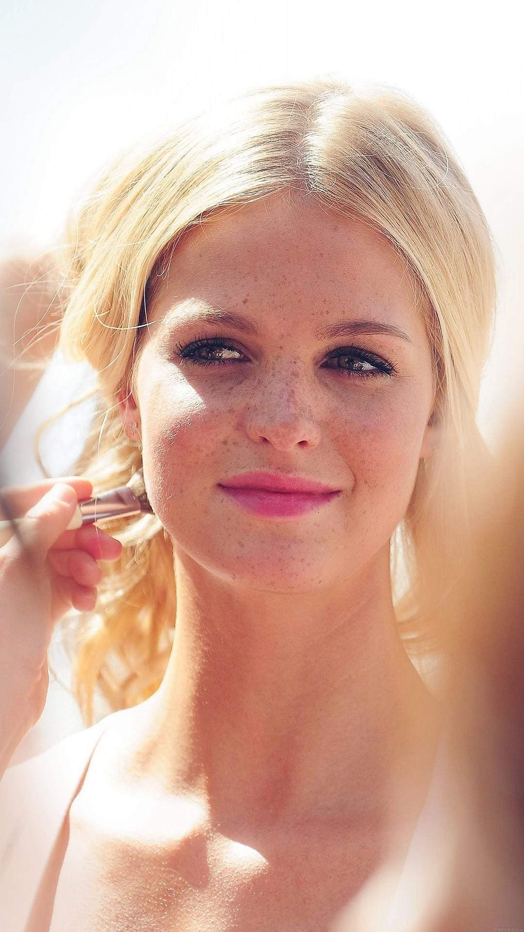 Victoria Secret Model Blonde Lovely Face Girl iPhone 8 wallpaper