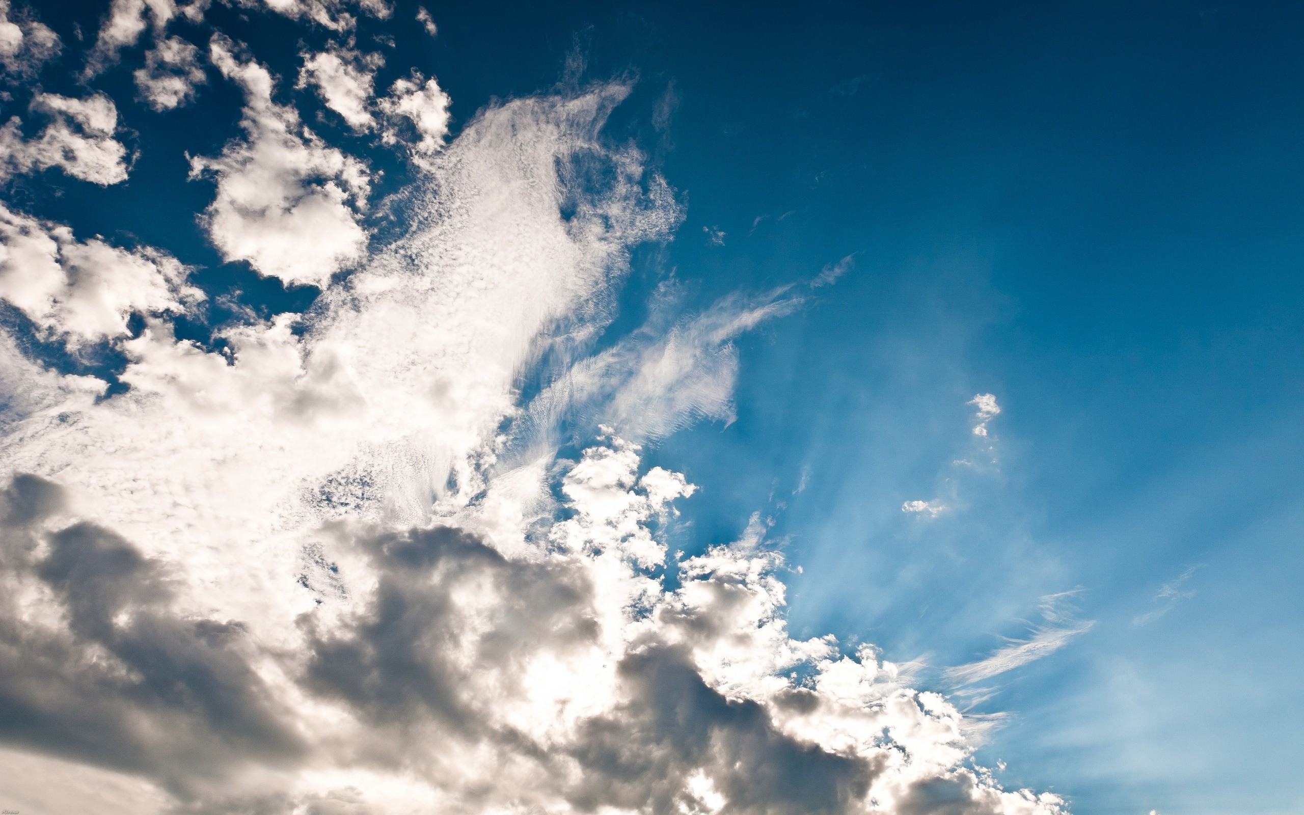 Photo beautiful sky with clouds high resolution (pixels)