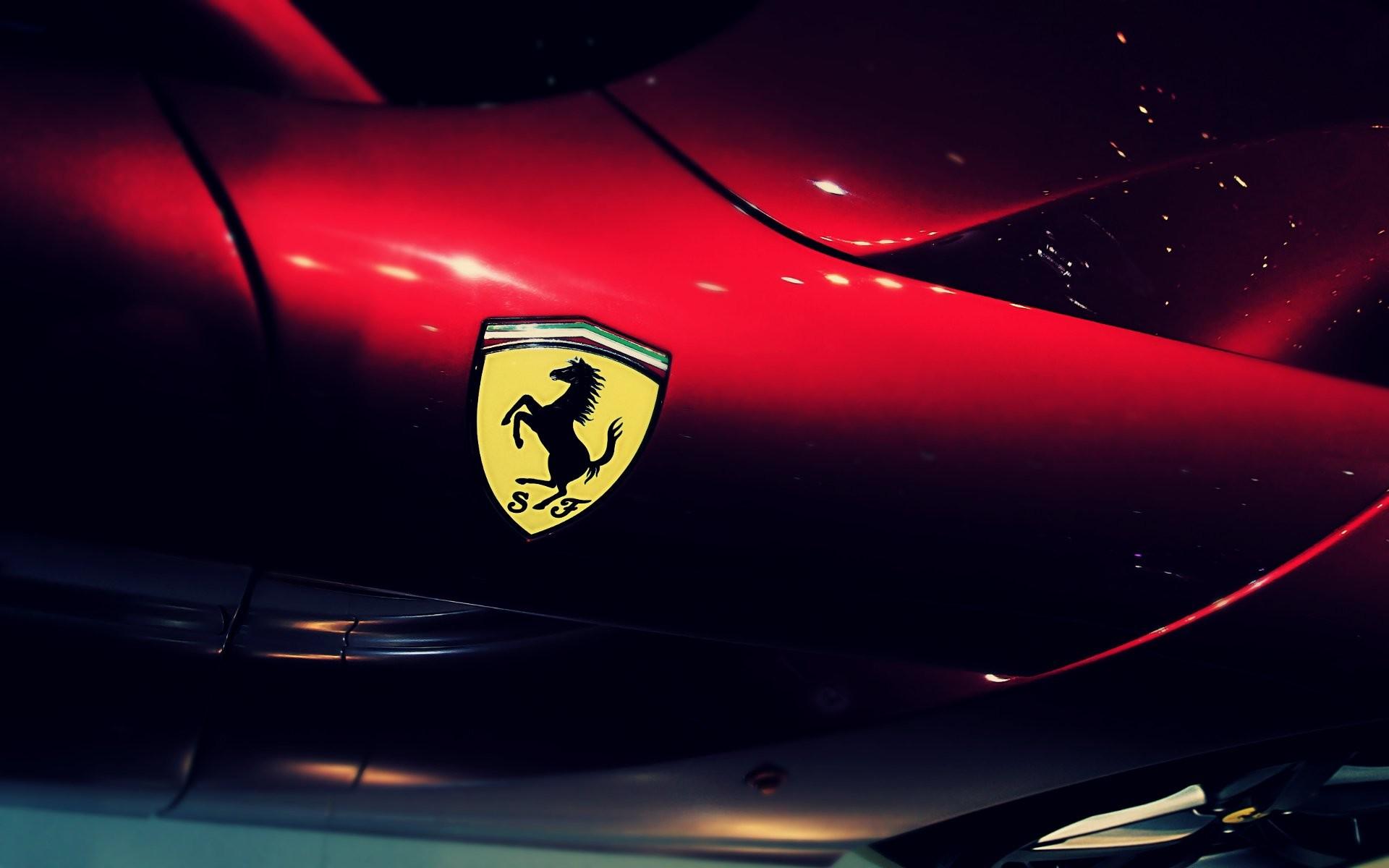 Logo Ferrari Wallpaper