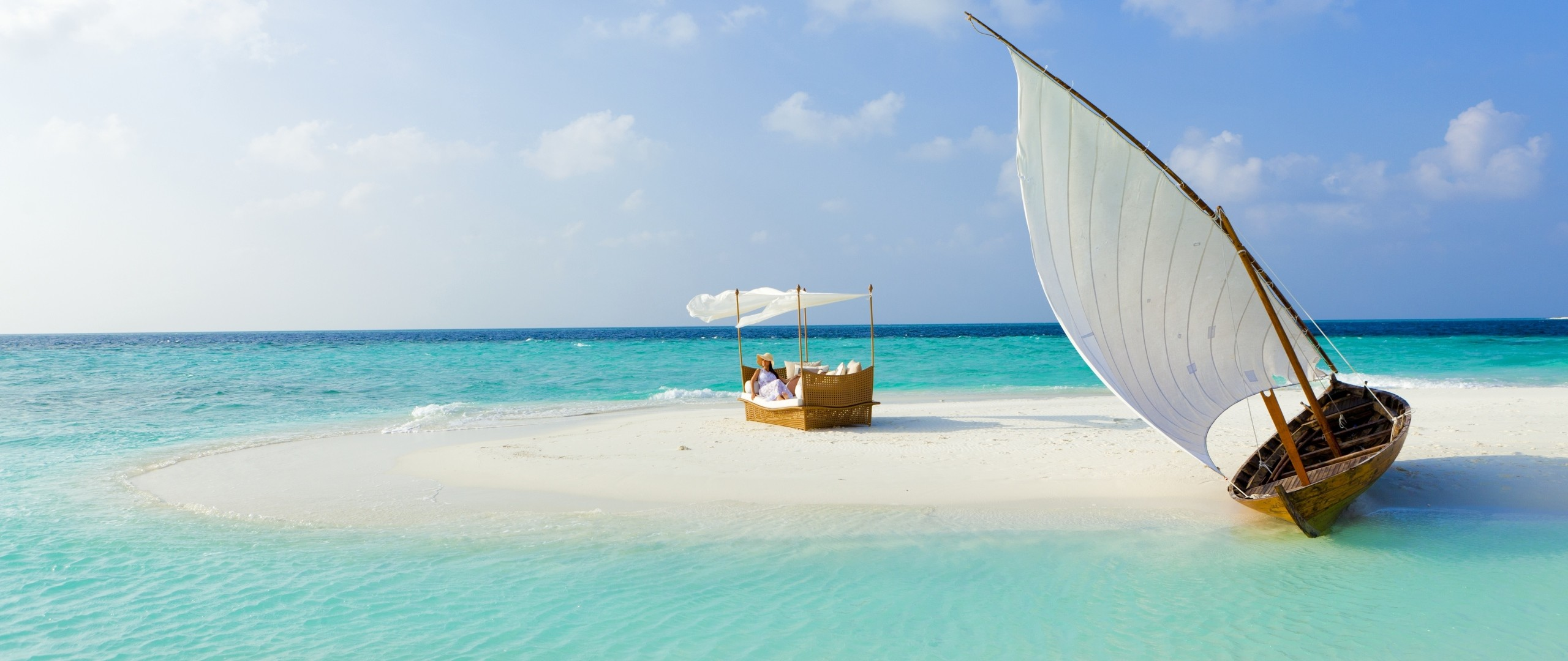 download wallpaper maldives beach tropical sea hd wallpaper .