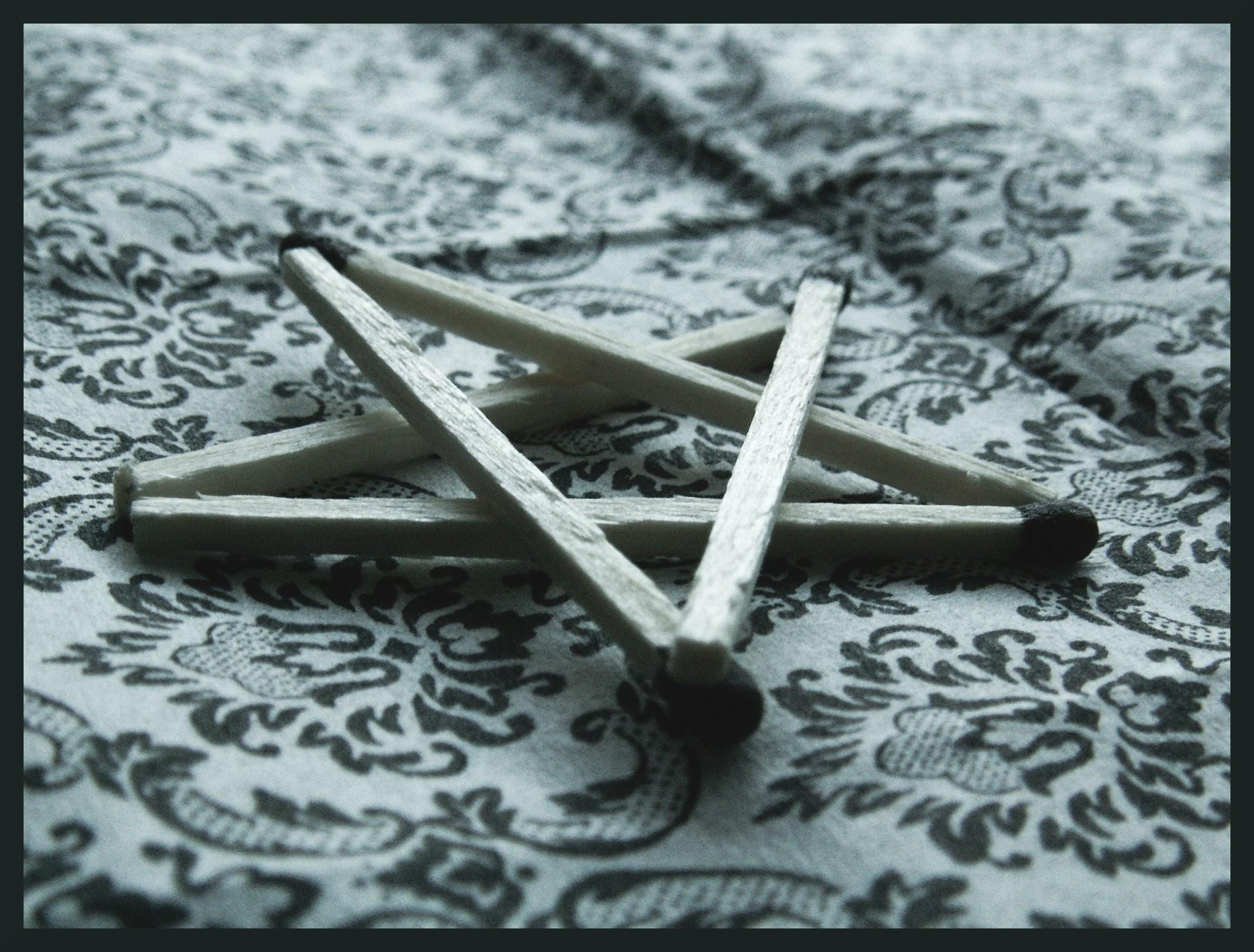 Match Pentagram wallpaper from Demon wallpapers