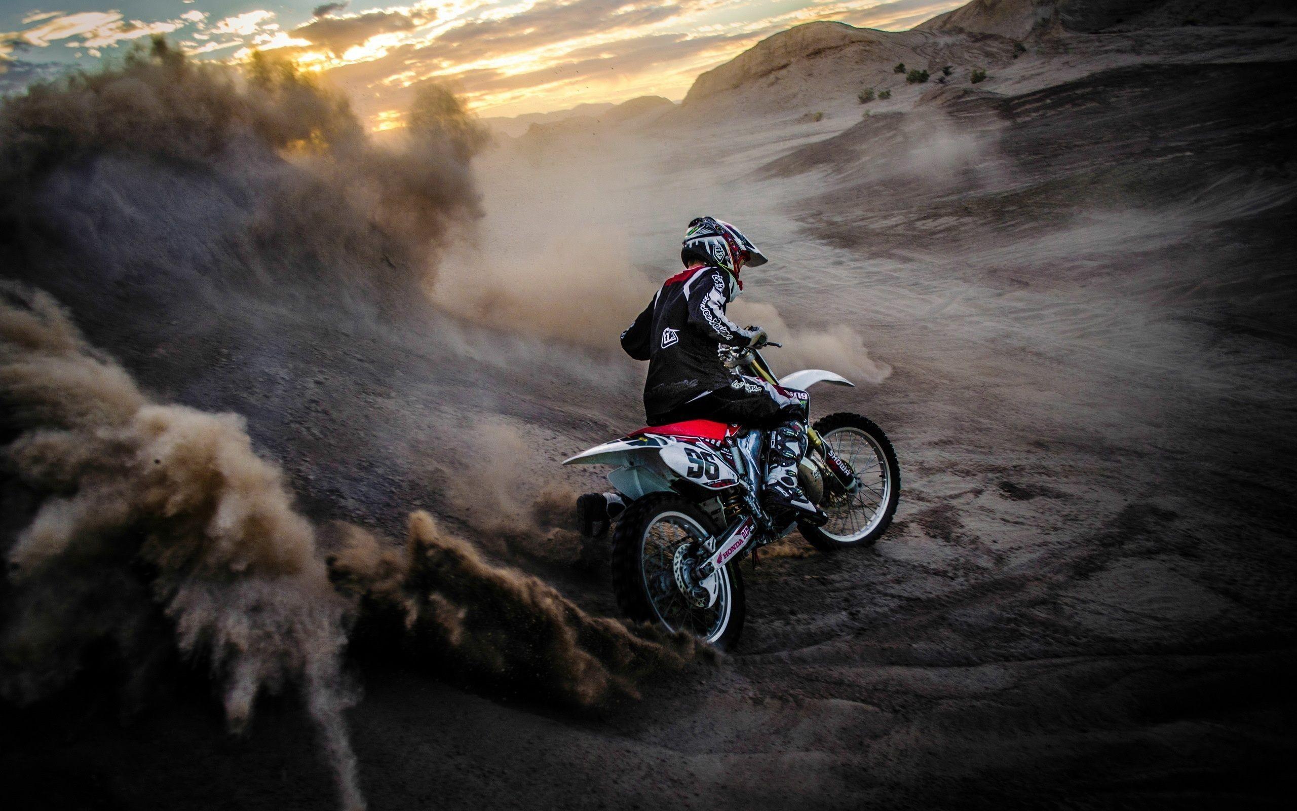 Crazy Race Motorcycle Wallpaper HD Of Motorbike Racing