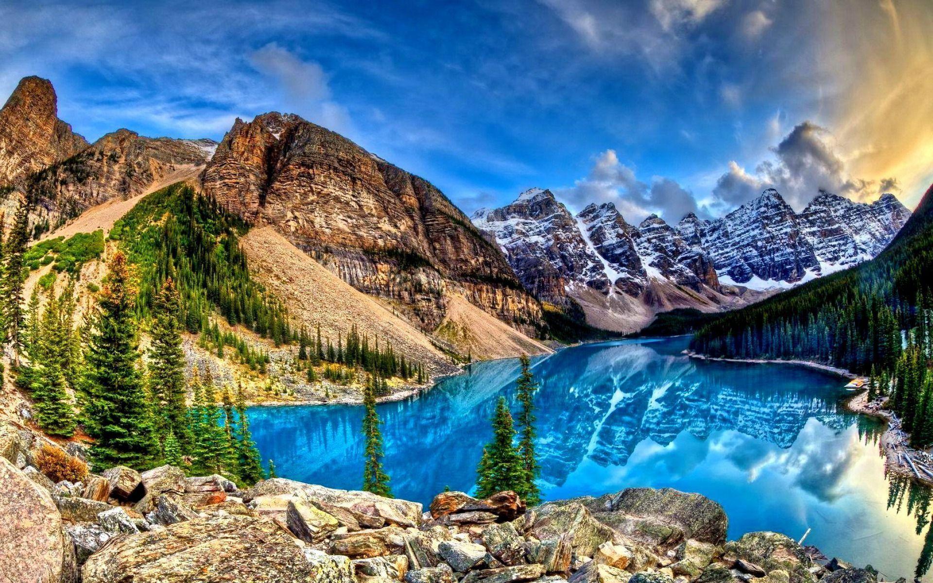 Amazing blue lake reflecting the mountains