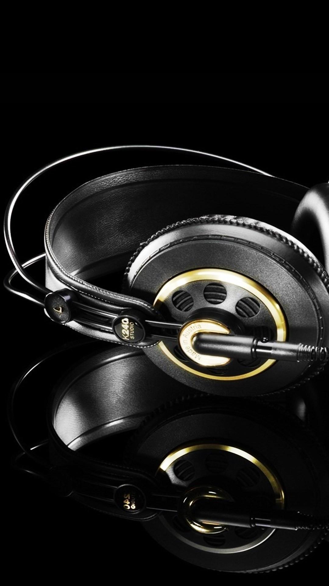 Studio Headphones Black Gold #iPhone #6 #plus #wallpaper