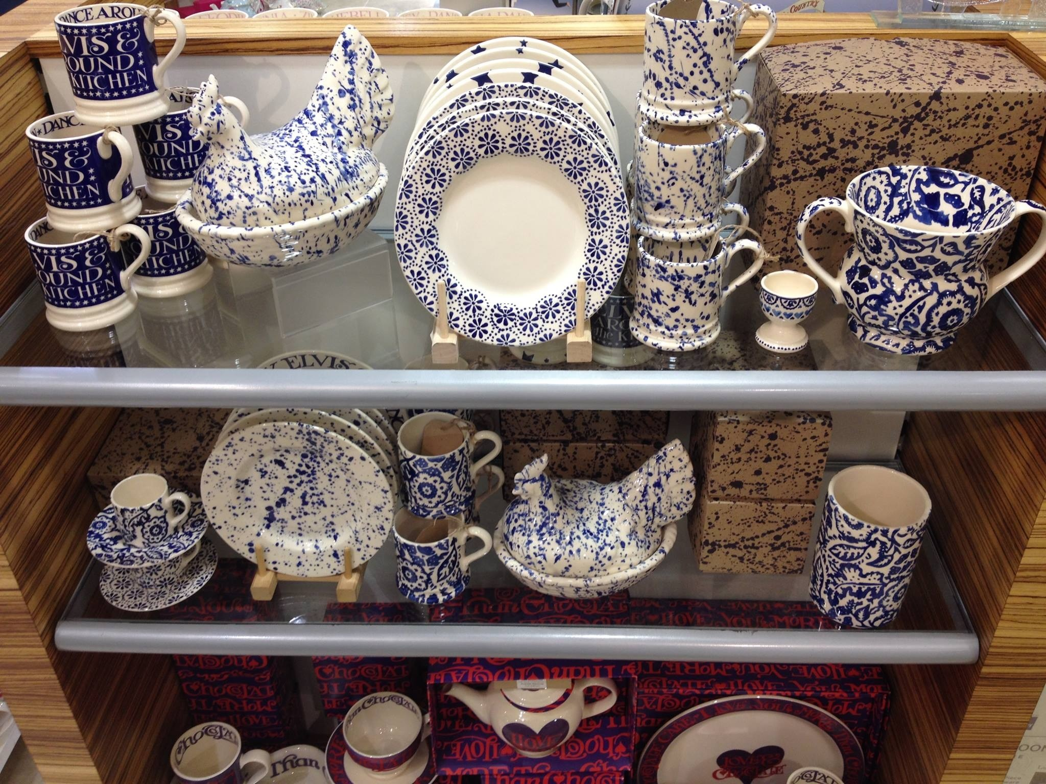 Emma Bridgewater Blue Wallpaper Two Handled Vase, Medium Vase, 0.5 Pint Mug  and Espresso