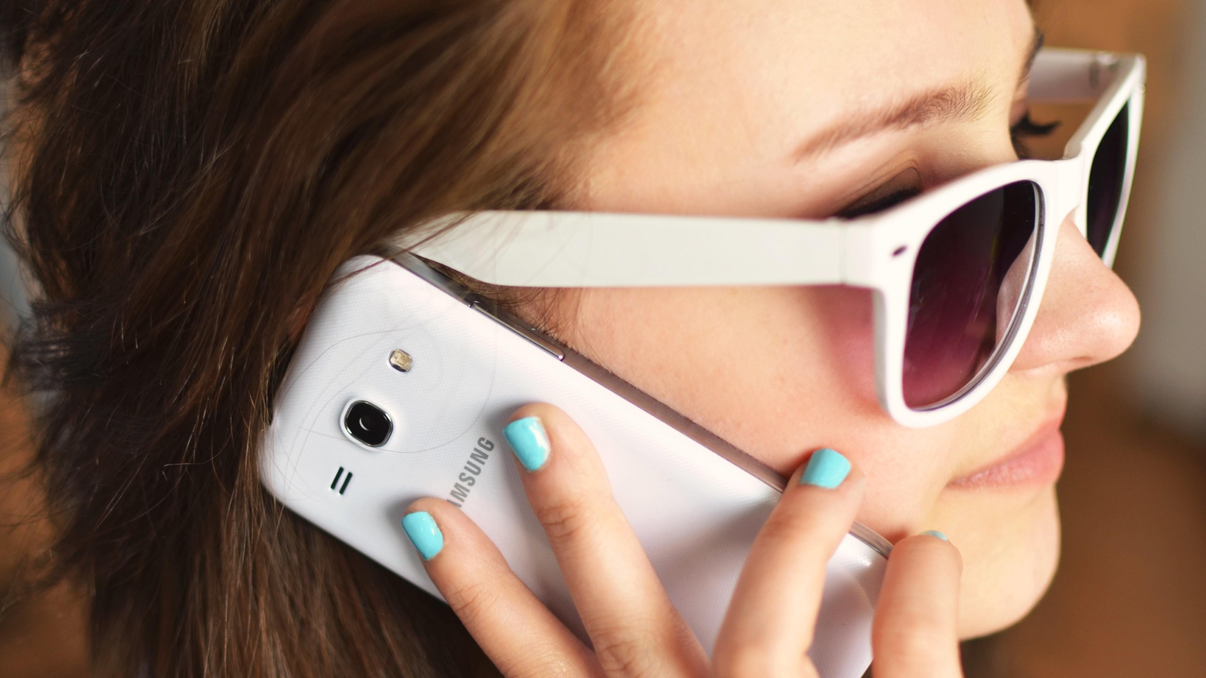 Girl Talking on Phone Wallpapers · 4K HD Desktop Backgrounds Phone