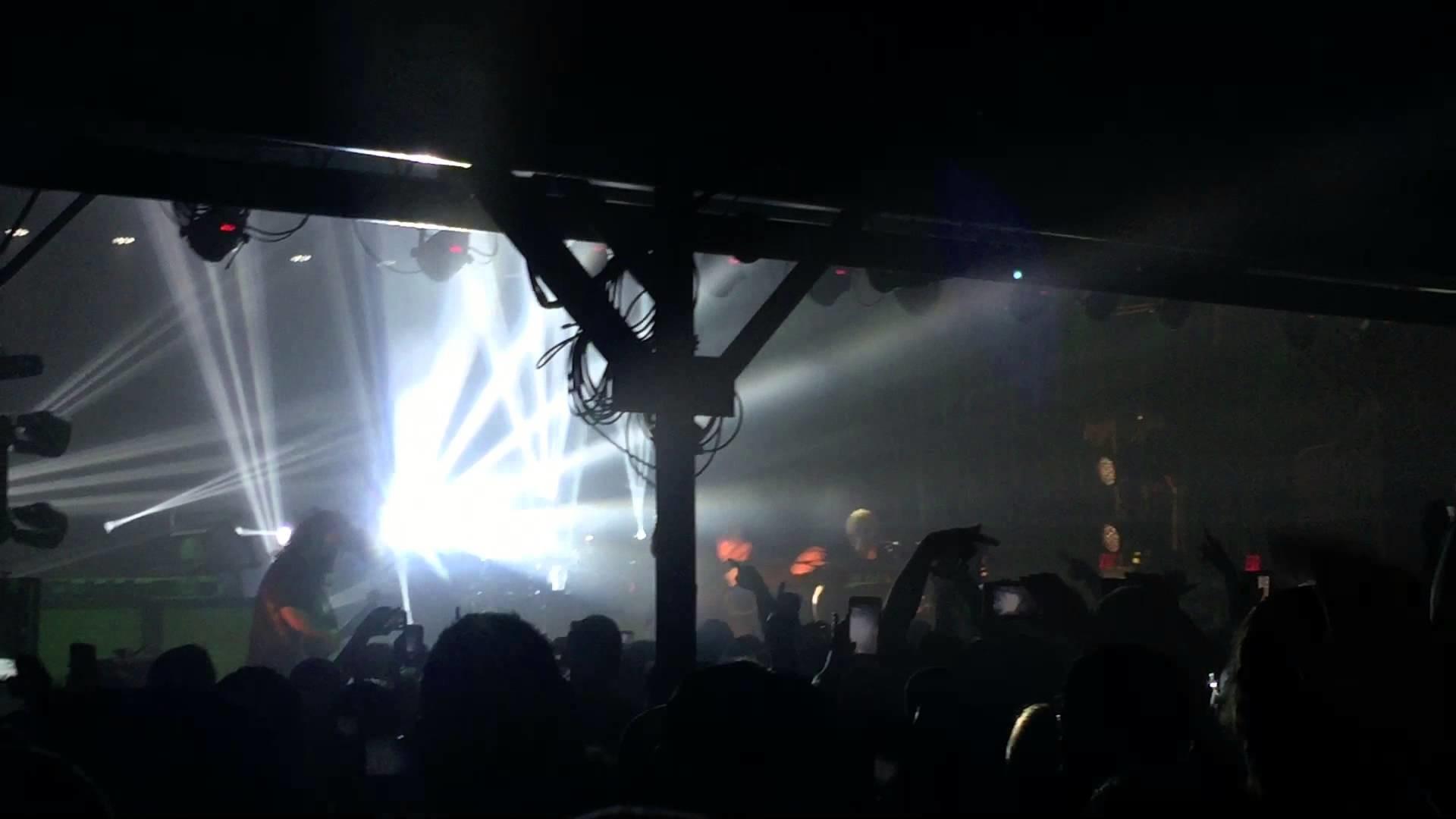 Deftones – Hotline Bling Live during Knife Party [Lubbock TX, 3/25/2016]