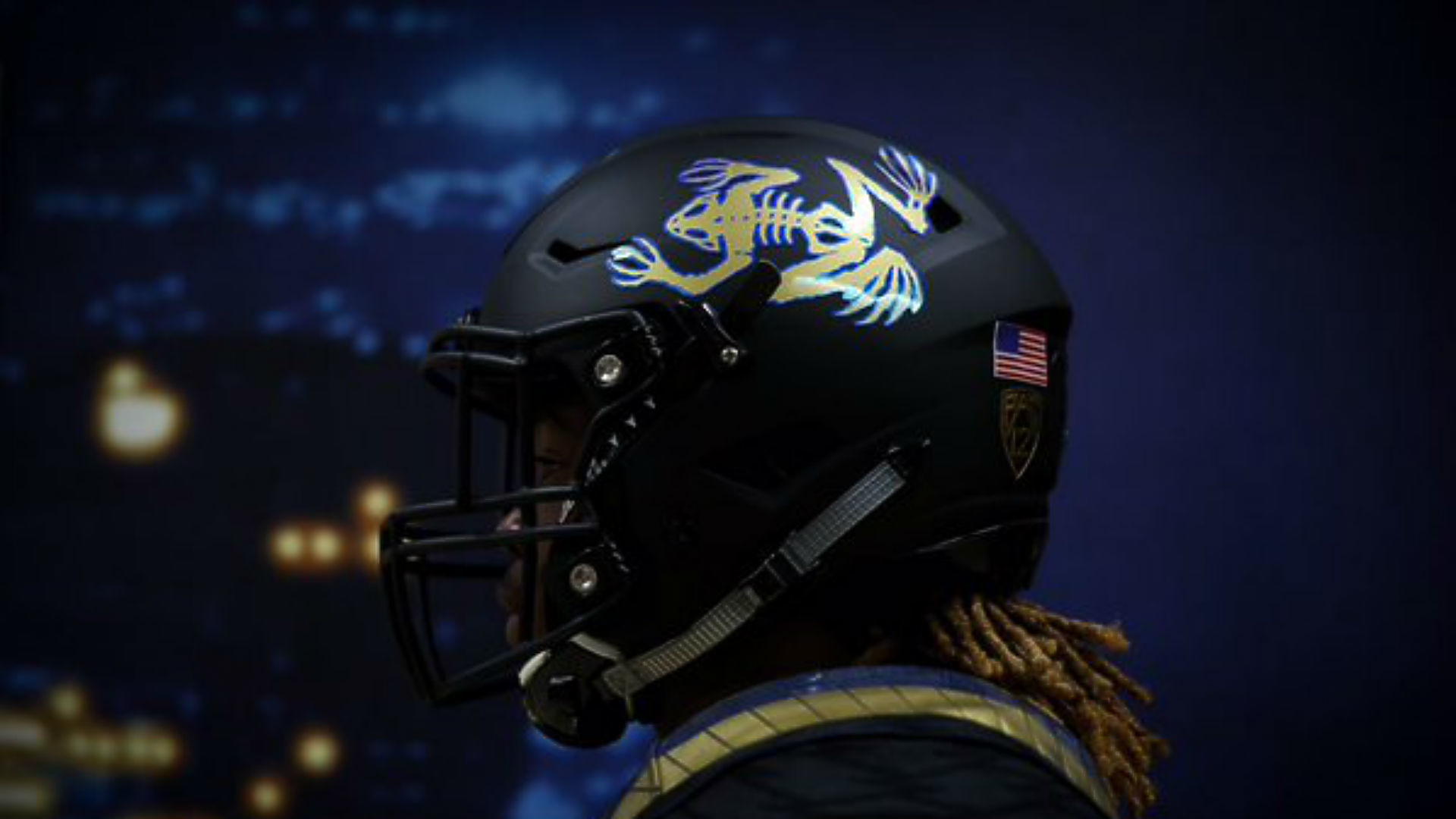 UCLA unveils 'frogman' helmets for Saturday's game | NCAA Football |  Sporting News
