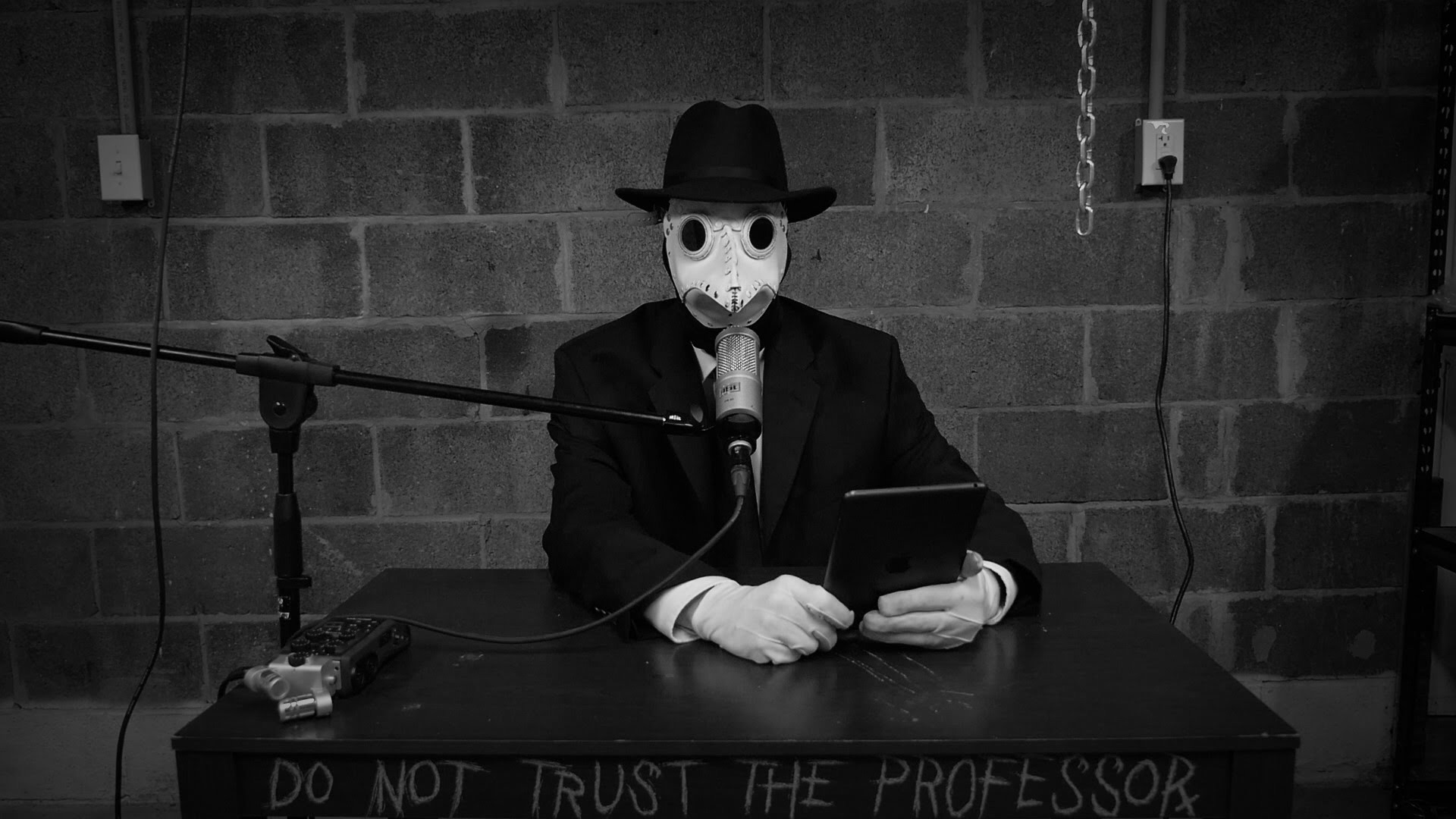 EphemRadio Episode 15 – Dr. Corvus D. Clemmons, ASMR Plague Doctor (#1)