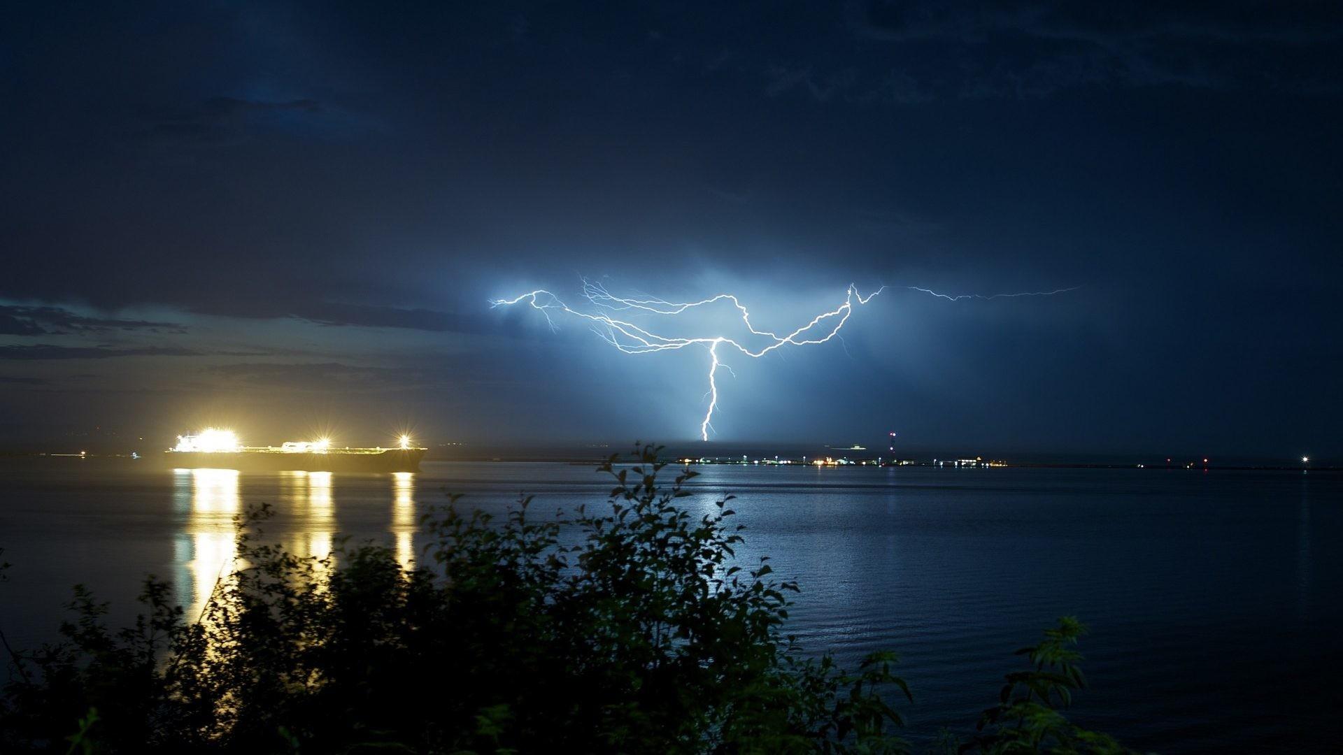Lightning Tag – Ocean Lights Water Home Night Lightning Reflection Sea  Storm Trees Tree Leaves Sky