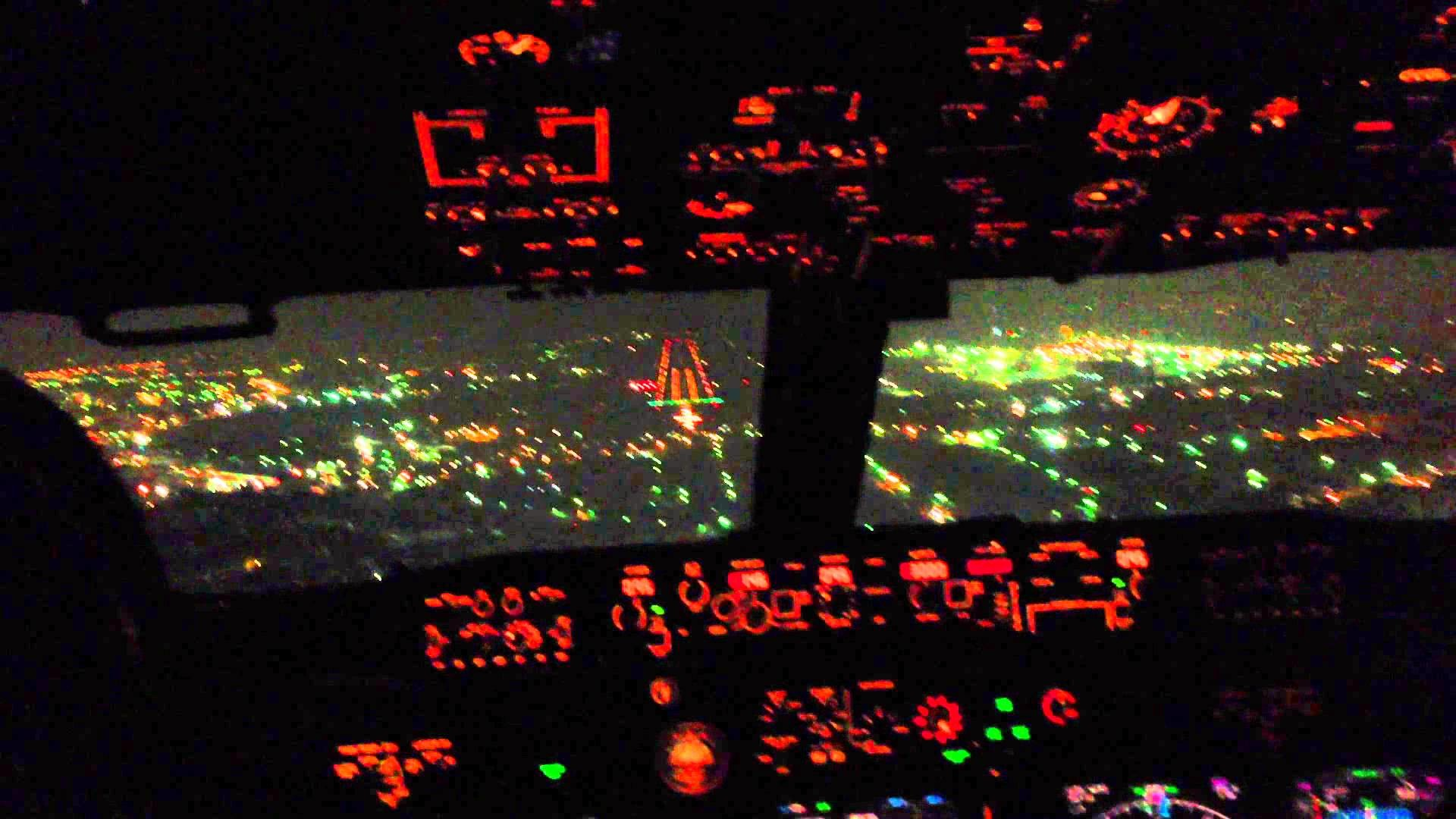 Boeing 737 Cockpit! – YouTube