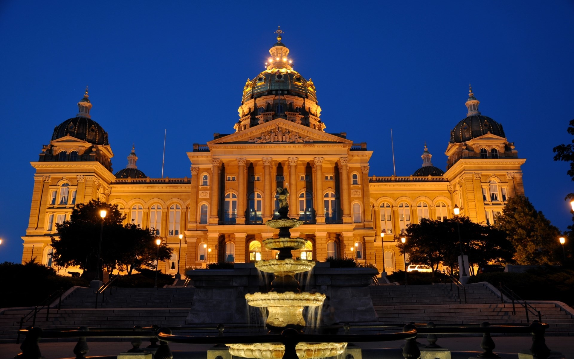 computer wallpaper for iowa state capitol