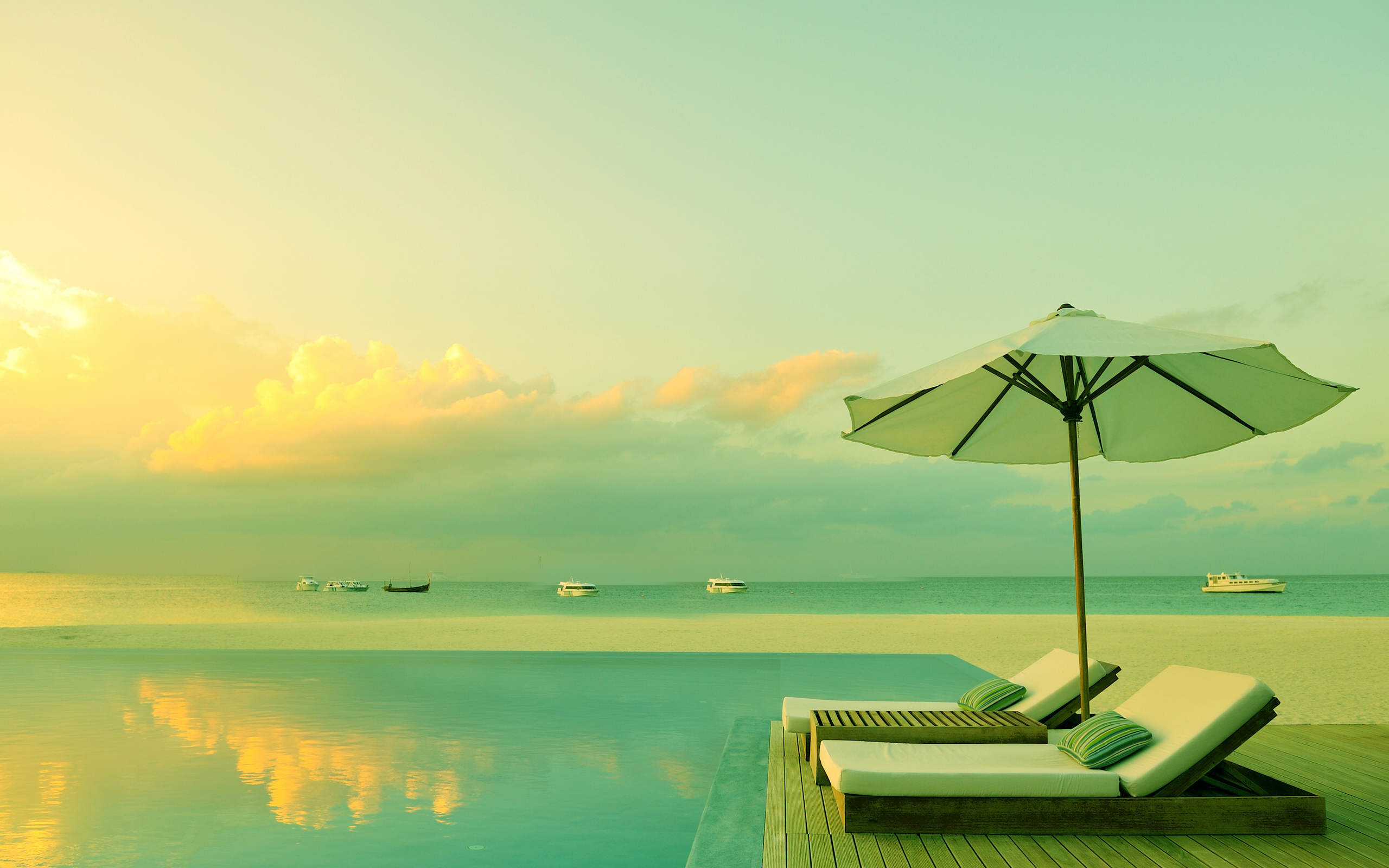 Free HD & 3D Wallpapers: Home Water Pool Beach Relaxing HD Wallpapers