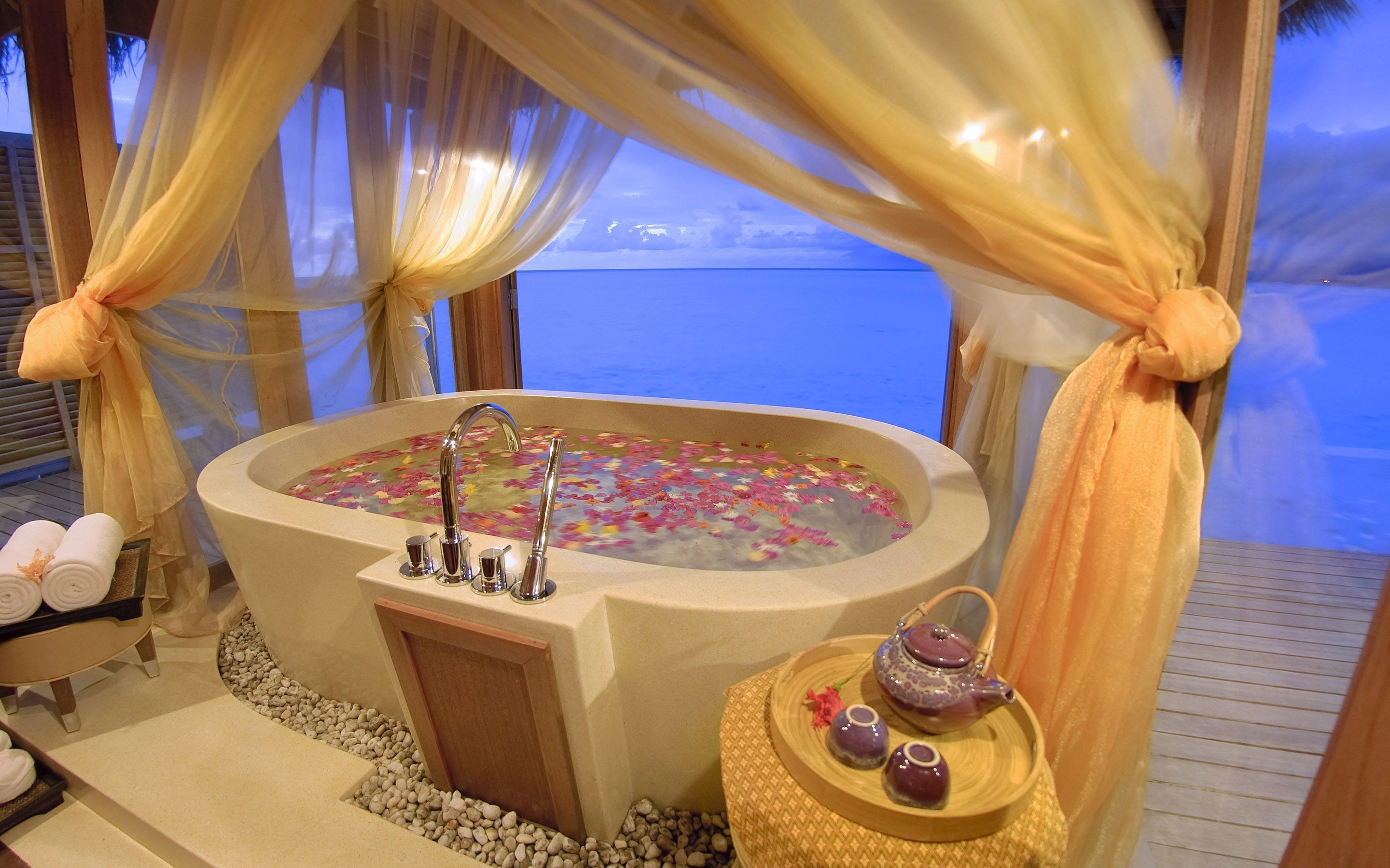 … Relaxing spa