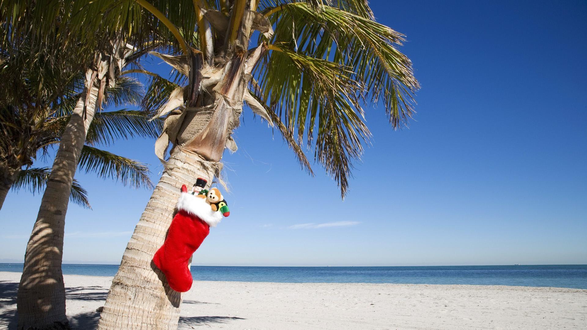 Beach Christmas Wallpaper
