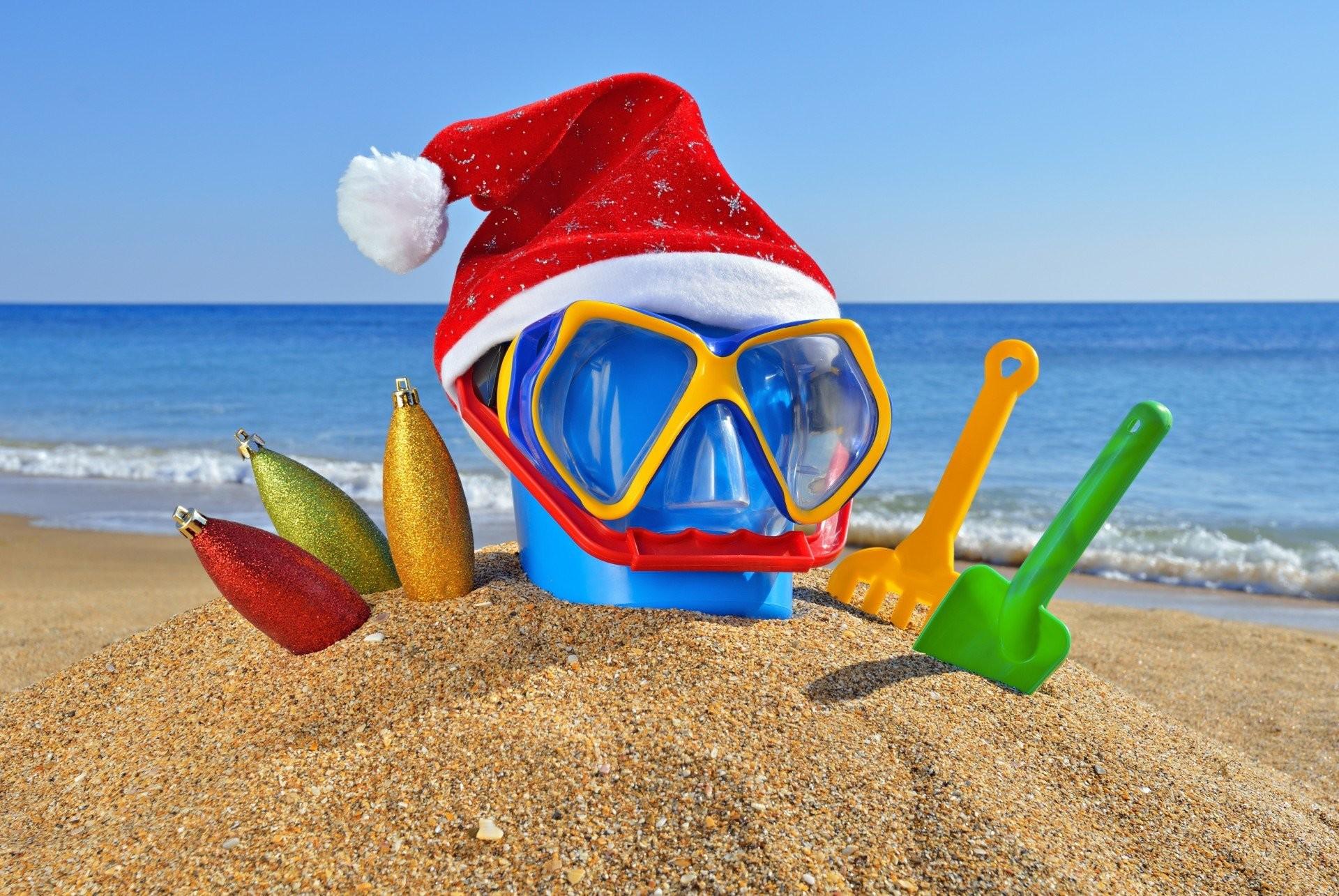 sand rakes christmas hat new year beach christmas glass sea ocean summer  toys hat sea sunglasses