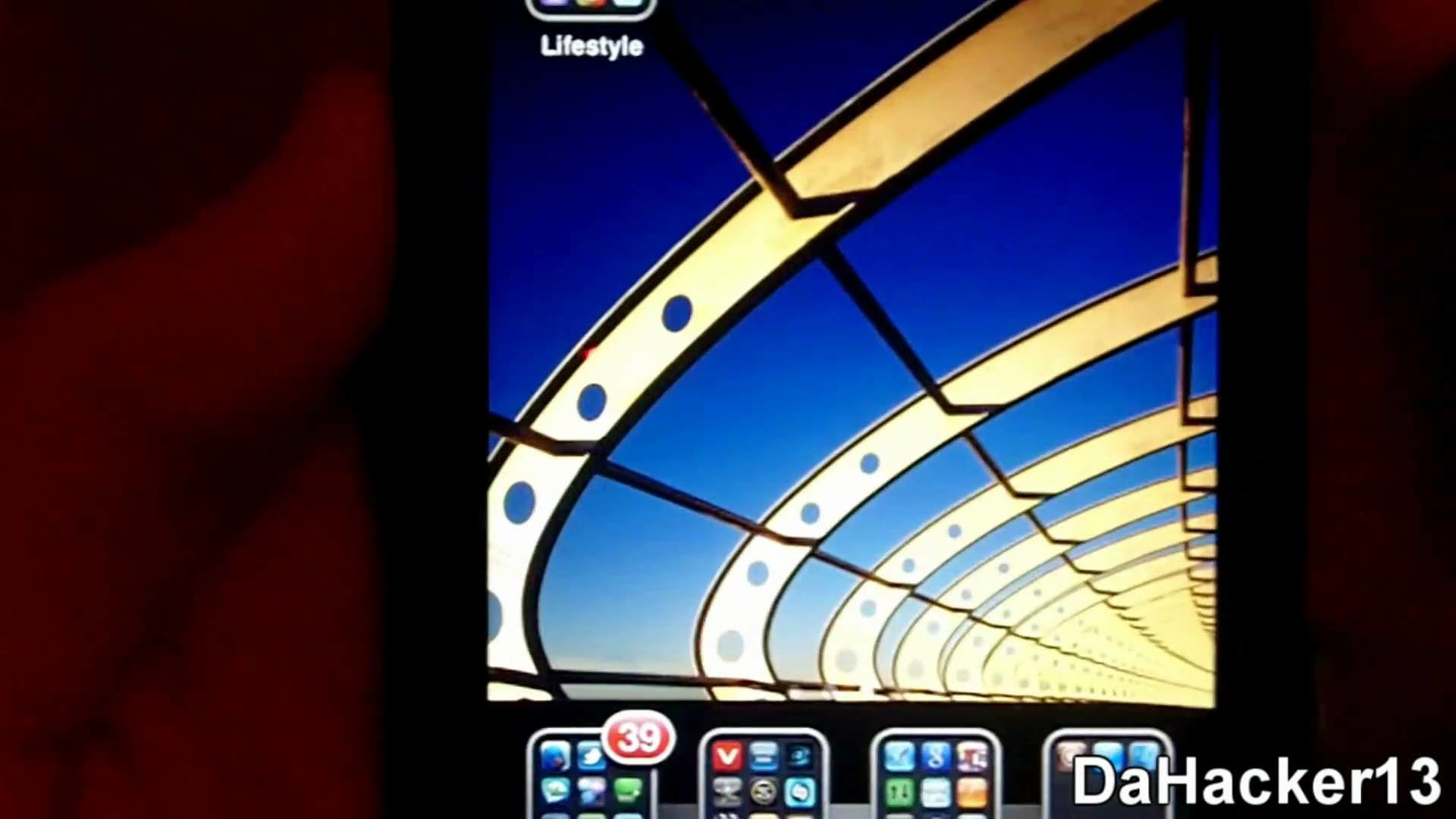 How To Get Parallax For Your iPhone/iPod Touch! **PANORAMIC WALLPAPERS FOR  YOUR IDEVICE**
