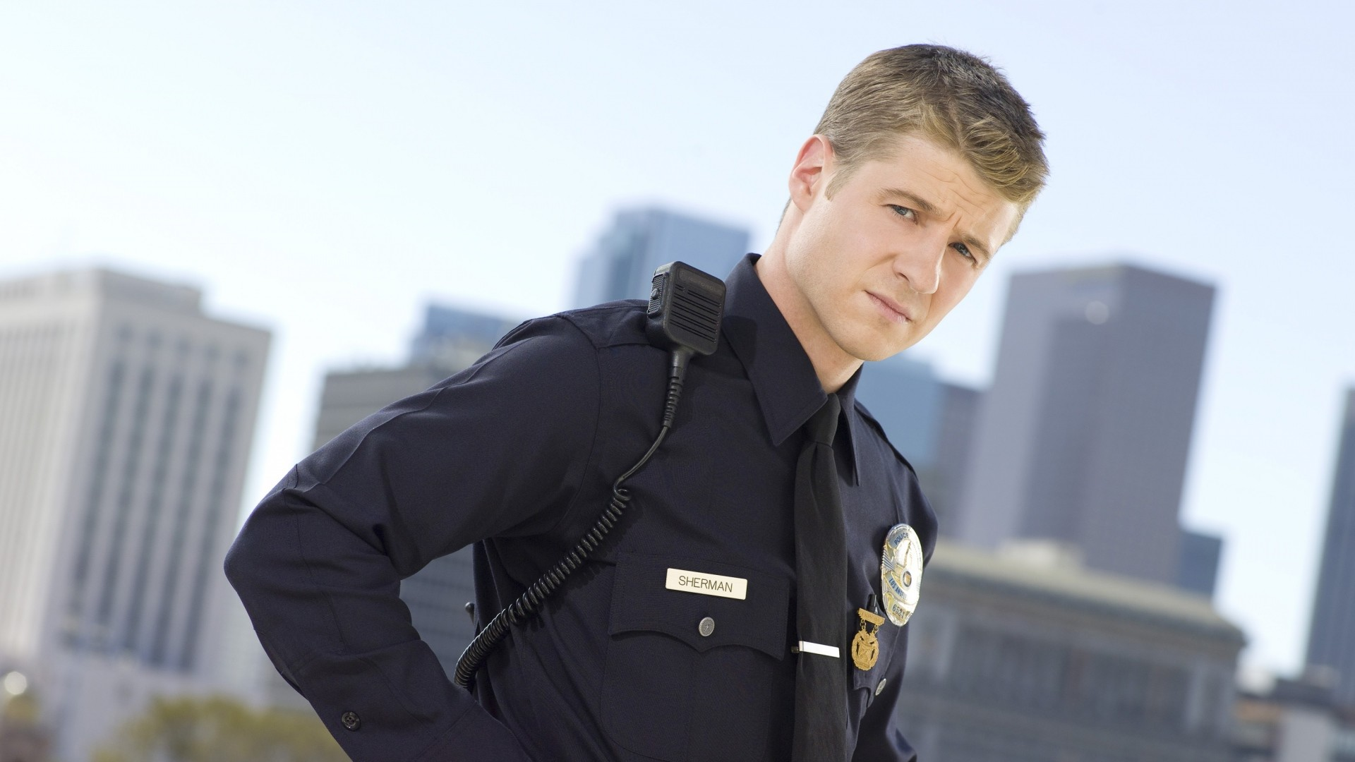 … benjamin mckenzie, man, police