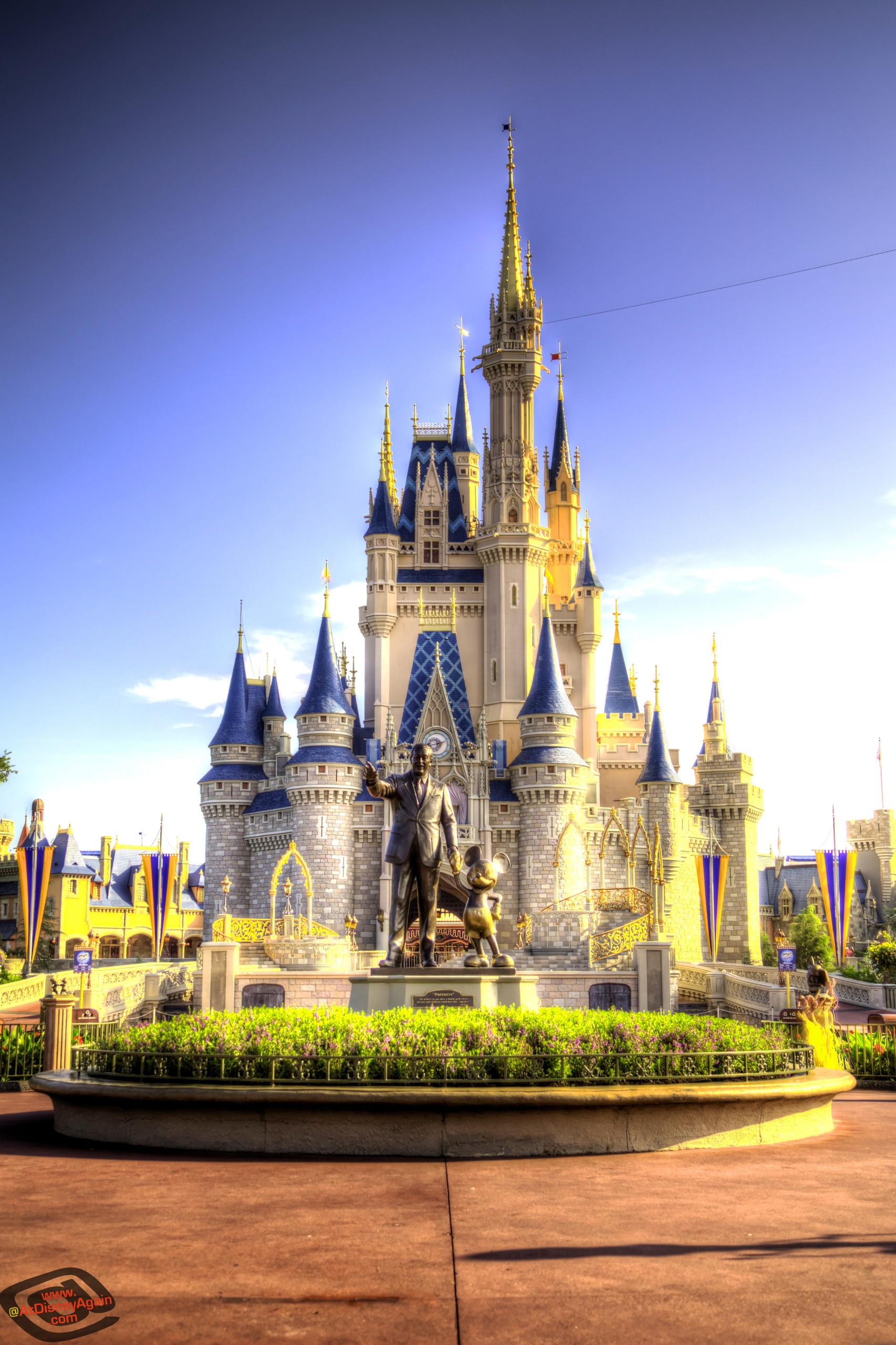 Daytime Cinderella Castle Wallpaper 027