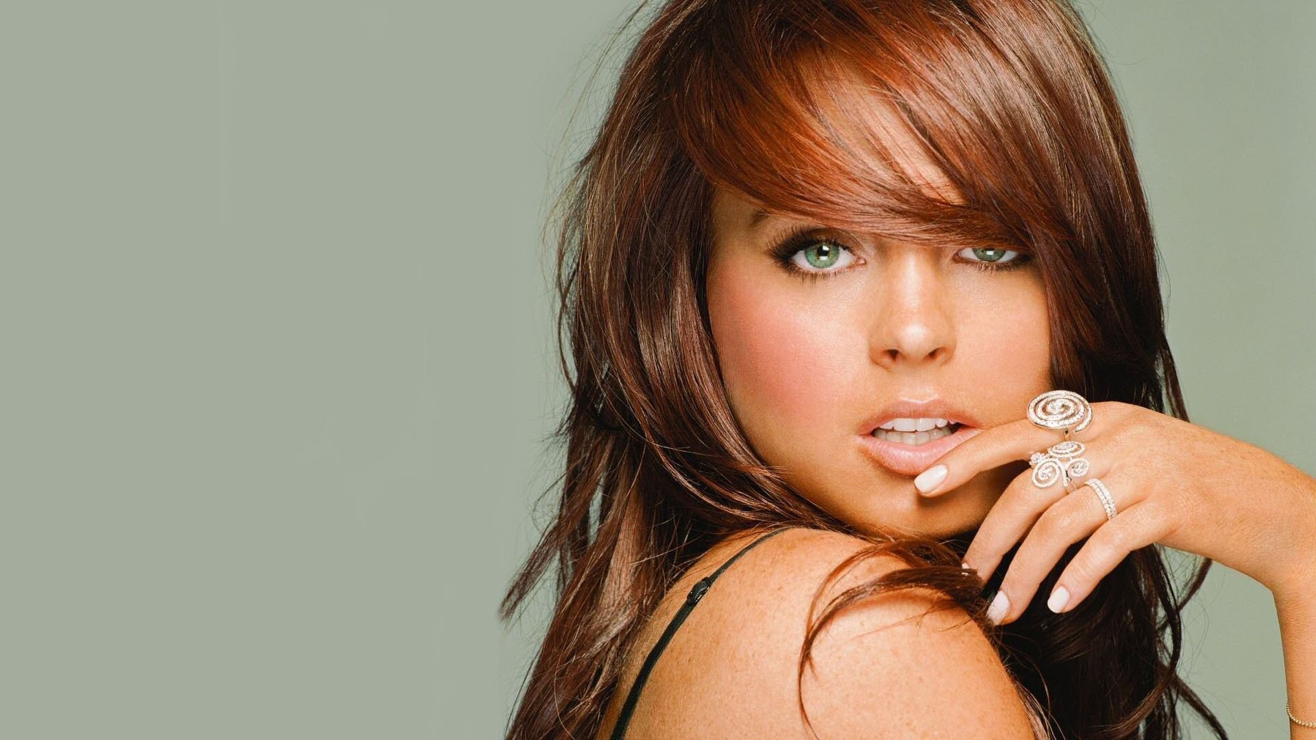 Catch Short Hair Extensions UK and Feel Glamorous and Stylist