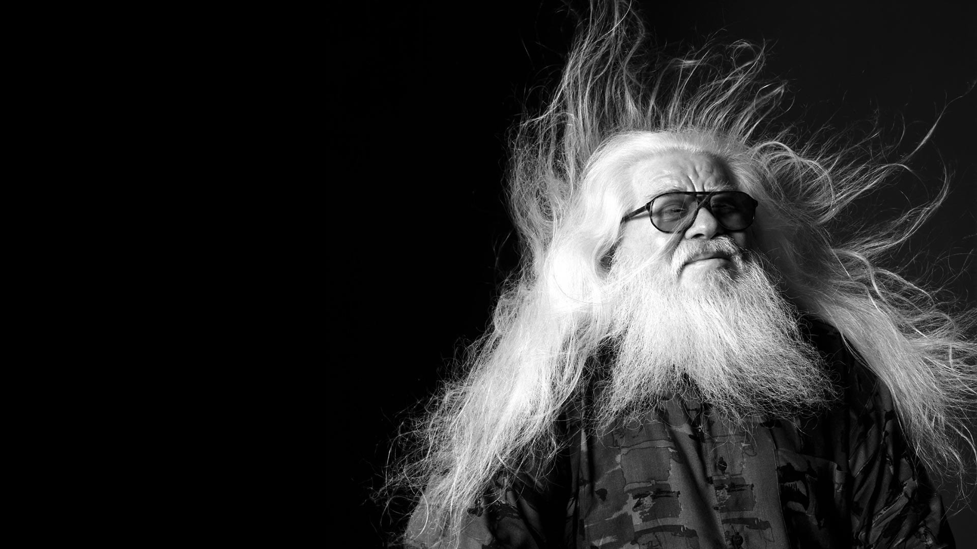 Preview wallpaper hermeto pascoal, old, glasses, hair, grey-haired 1920×1080