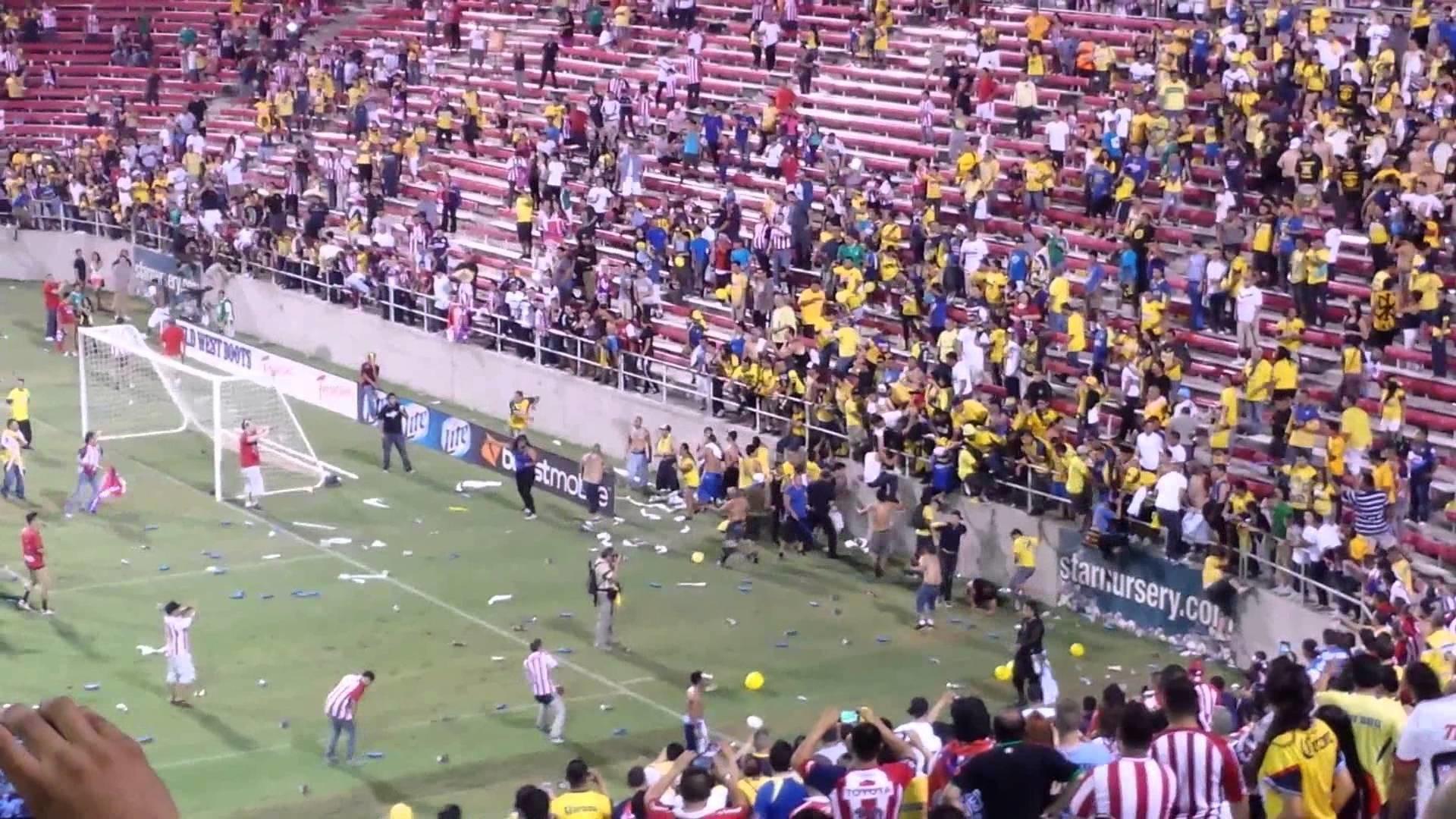 Chivas vs America super clasico en las vegas 2013