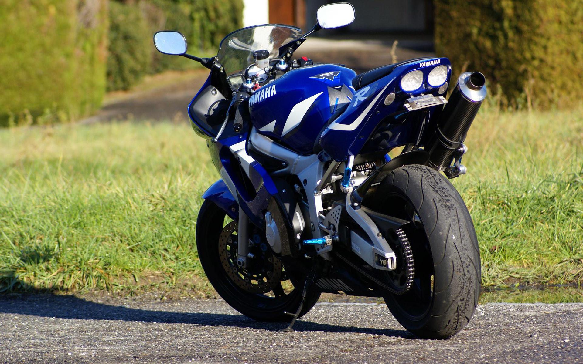 … Yamaha YZF-R6