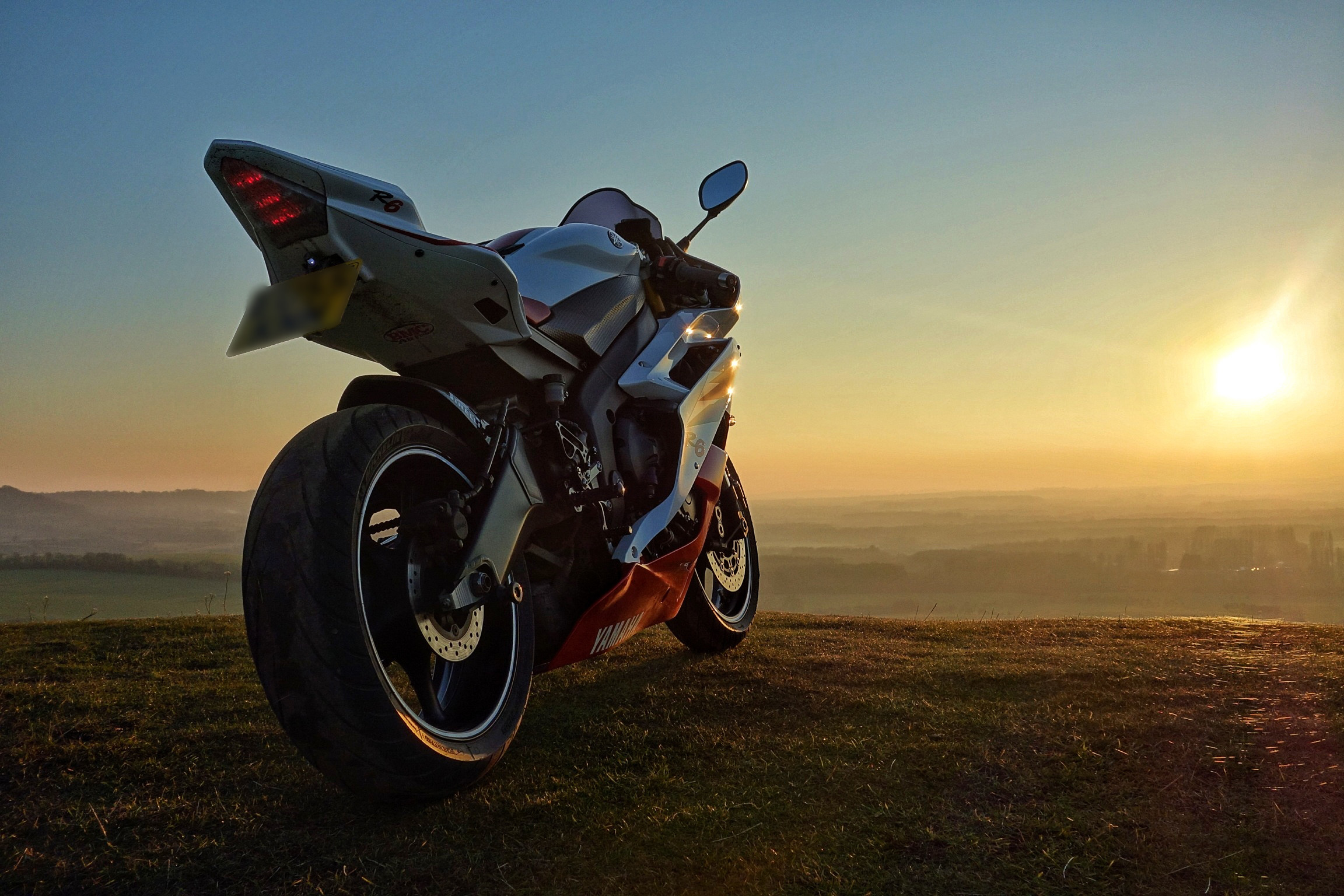 … YAMAHA R6 2006 2CO RED AND WHITE by andyedw