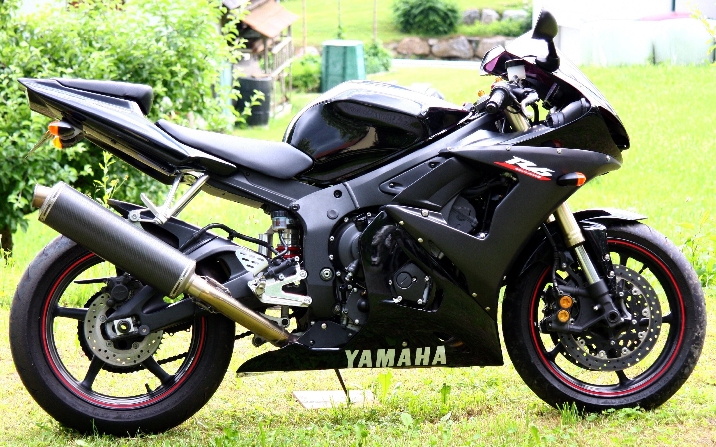 HD Wallpaper 2: Yamaha R6