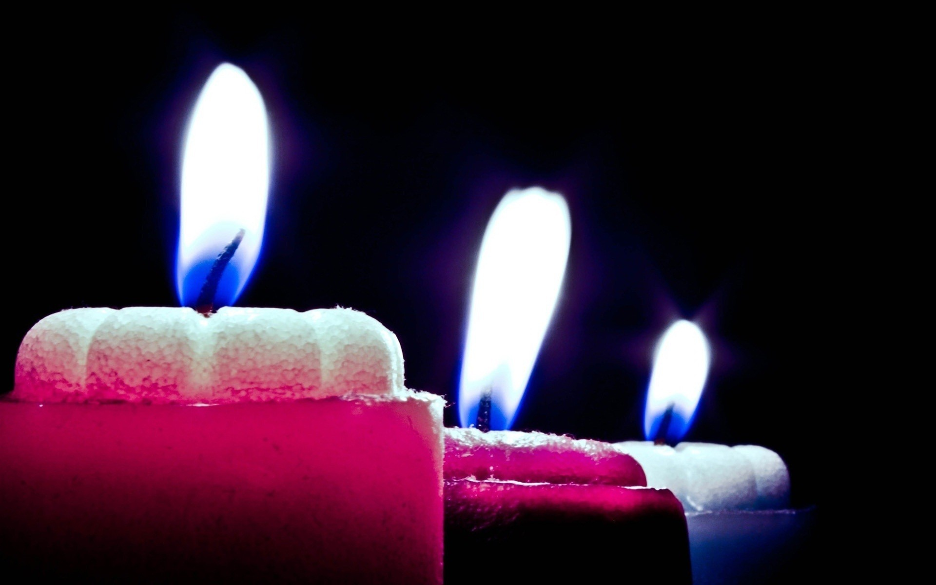 Pink candle light amazing greetings wallpaper