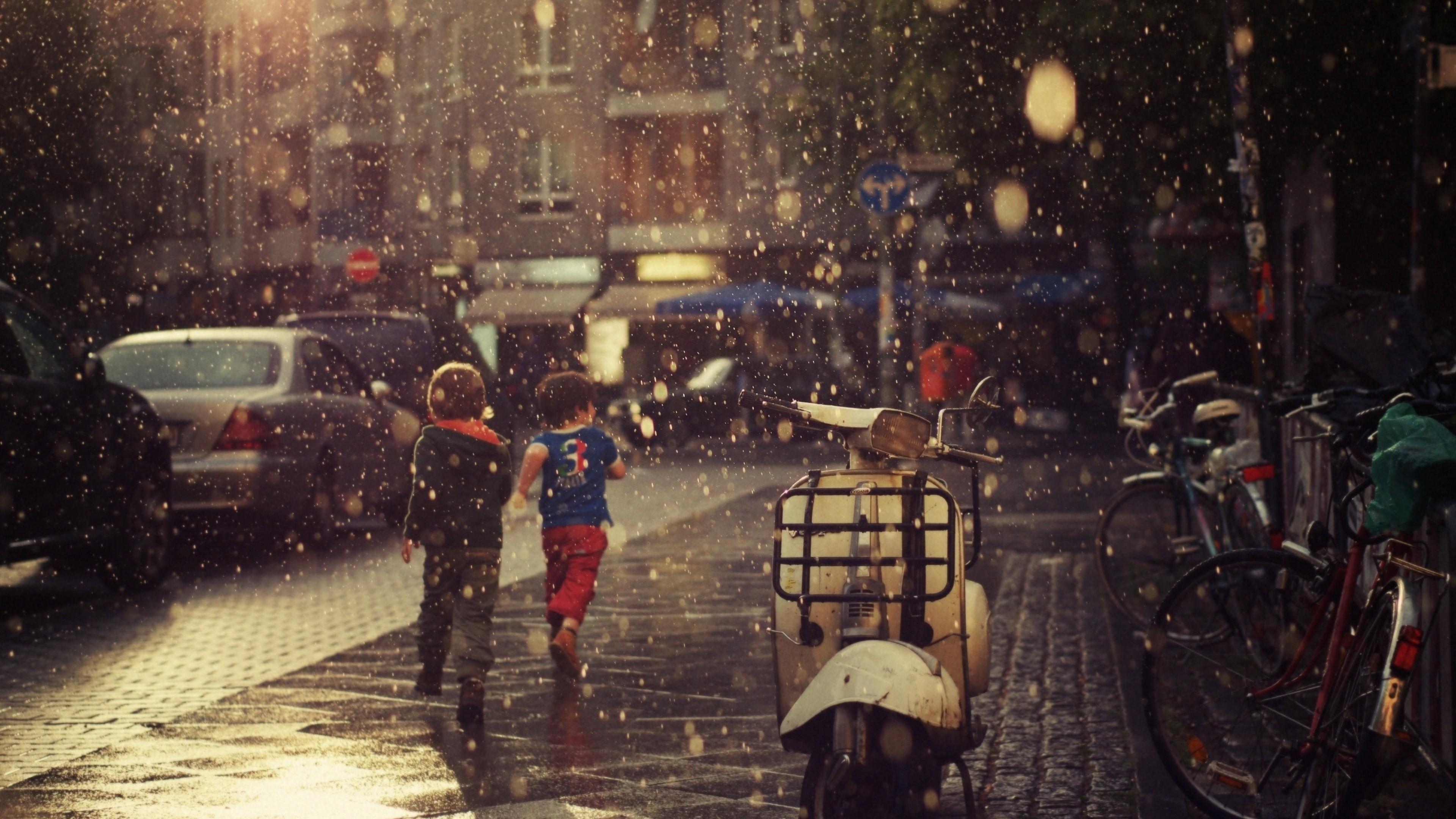 Wallpaper street, children, running, rain, city