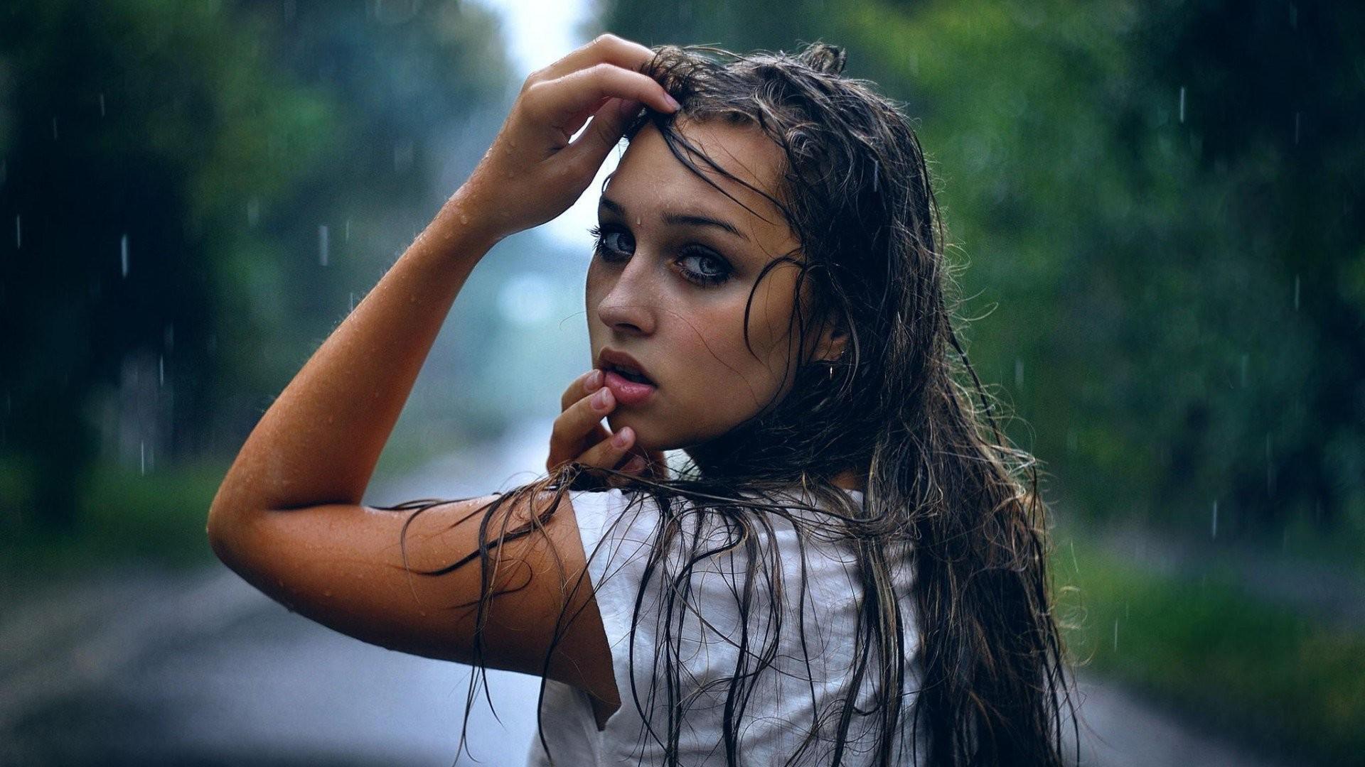 WDB Girl In Rain Wallpapers Special Girl In Rain HD