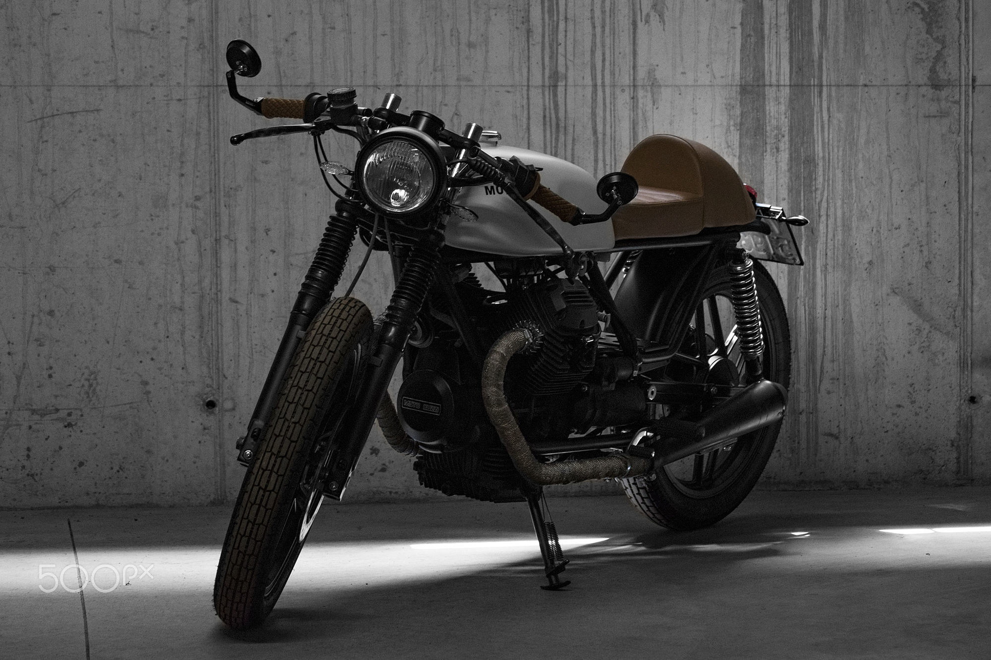 Moto Guzzi V35 converted in Cafe Racer HD Wallpaper From Gallsource.com