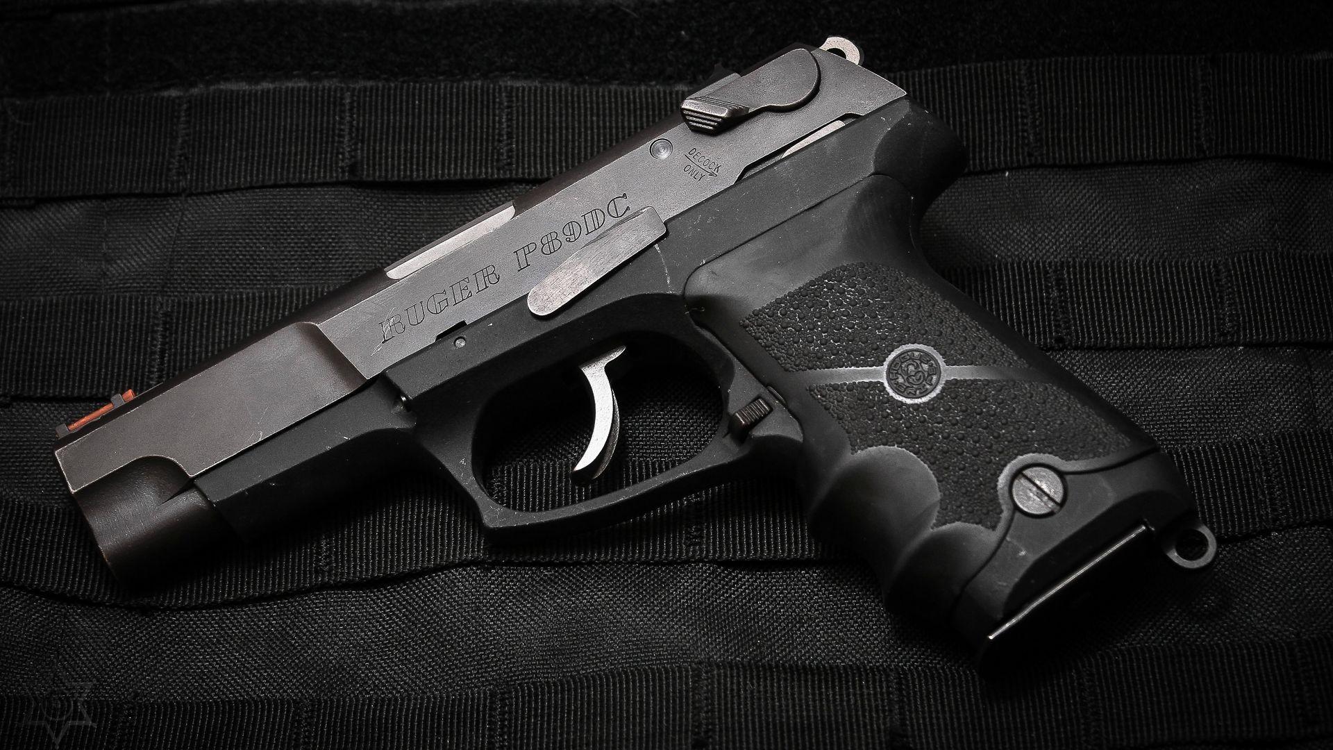 General gun pistol Ruger Ruger P89
