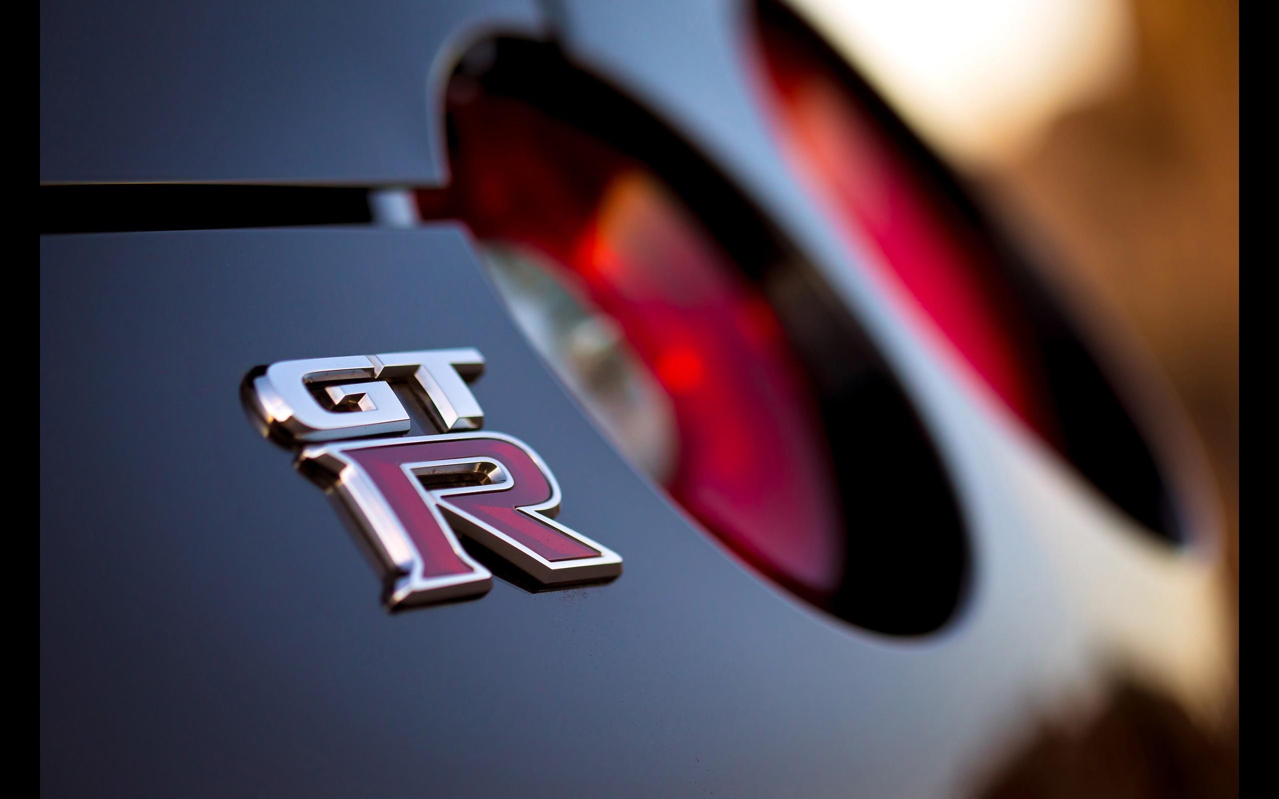 Nissan GT R wallpaper