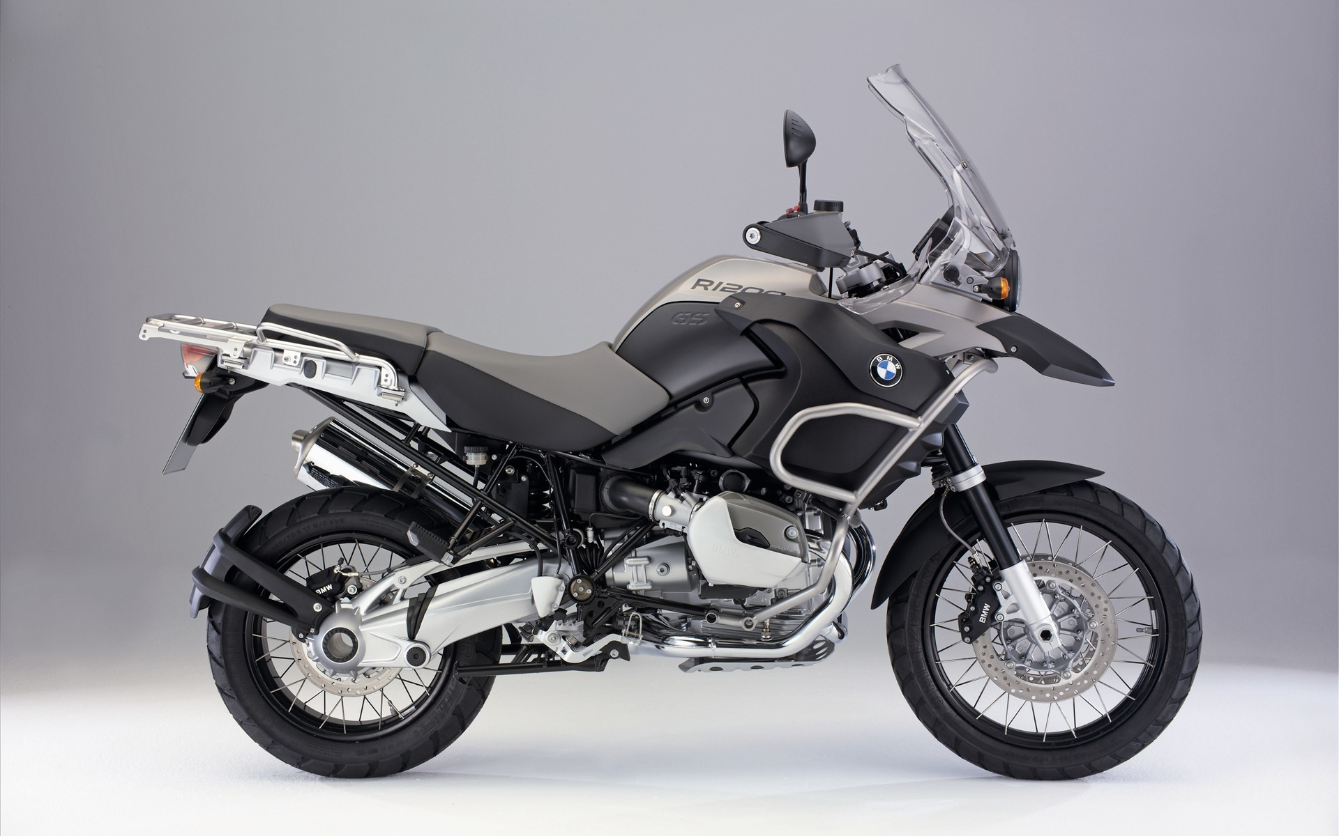 Download BMW 1200 R Motorcycles Pictures for free to set as dekstop  background. This image