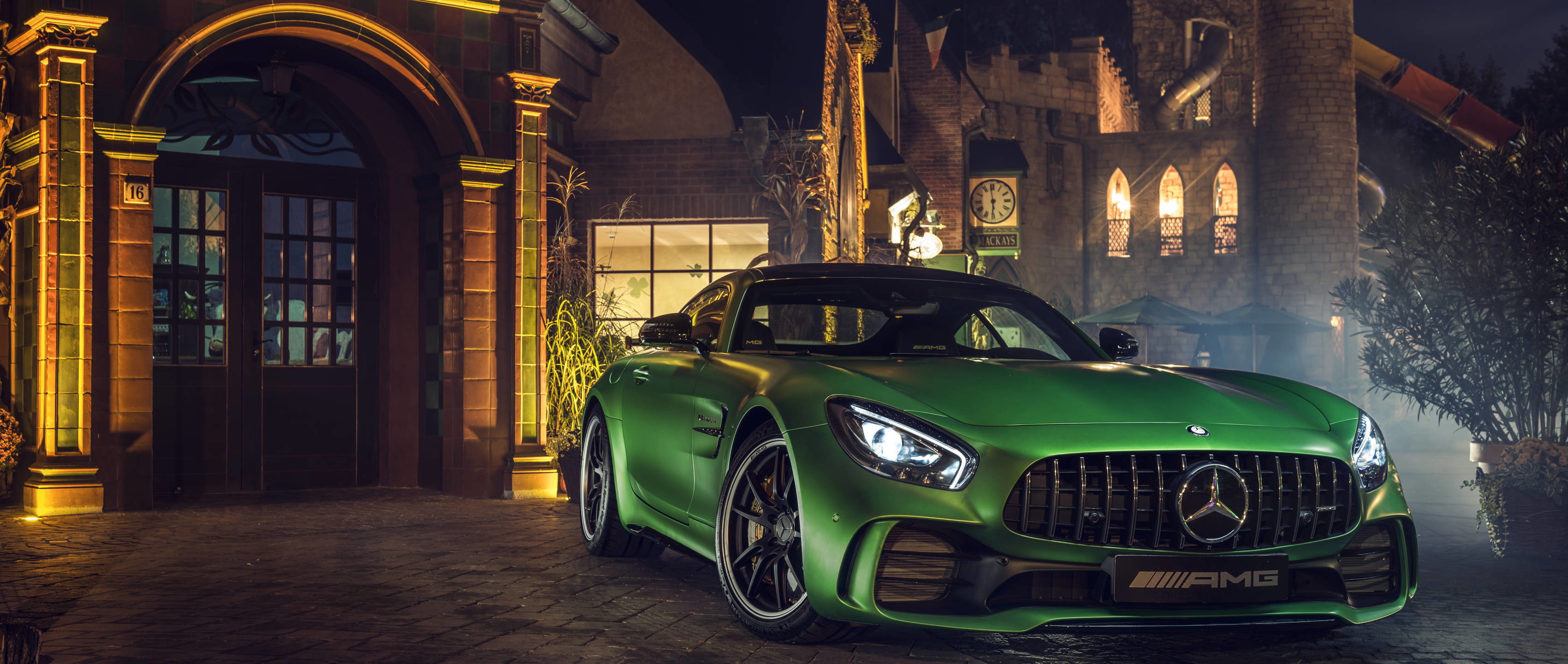 #MBsocialcar: Mercedes-AMG GT R.