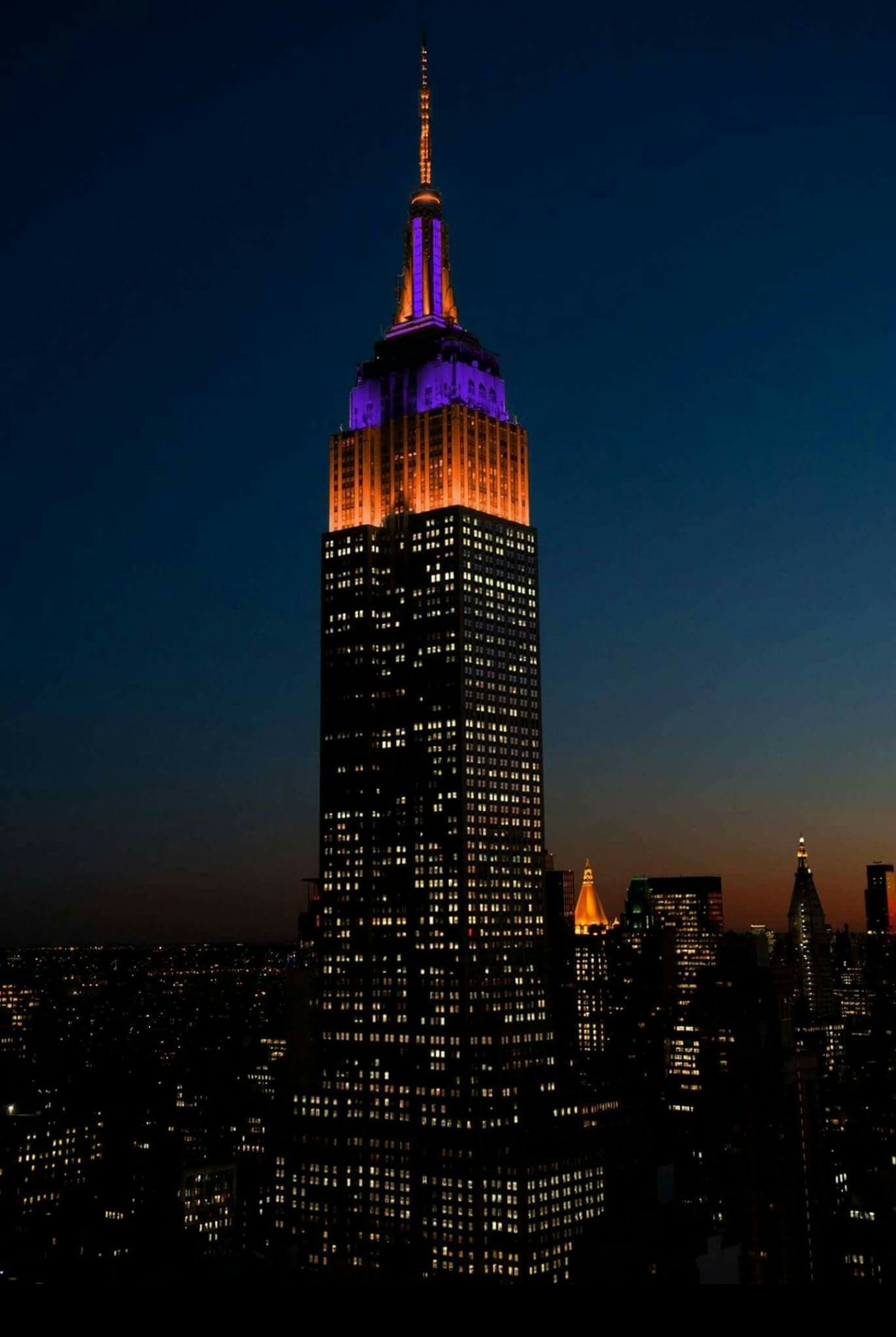 2017 National College Football Champions, the CLEMSON TIGERS!!! Lighting up  the Empire